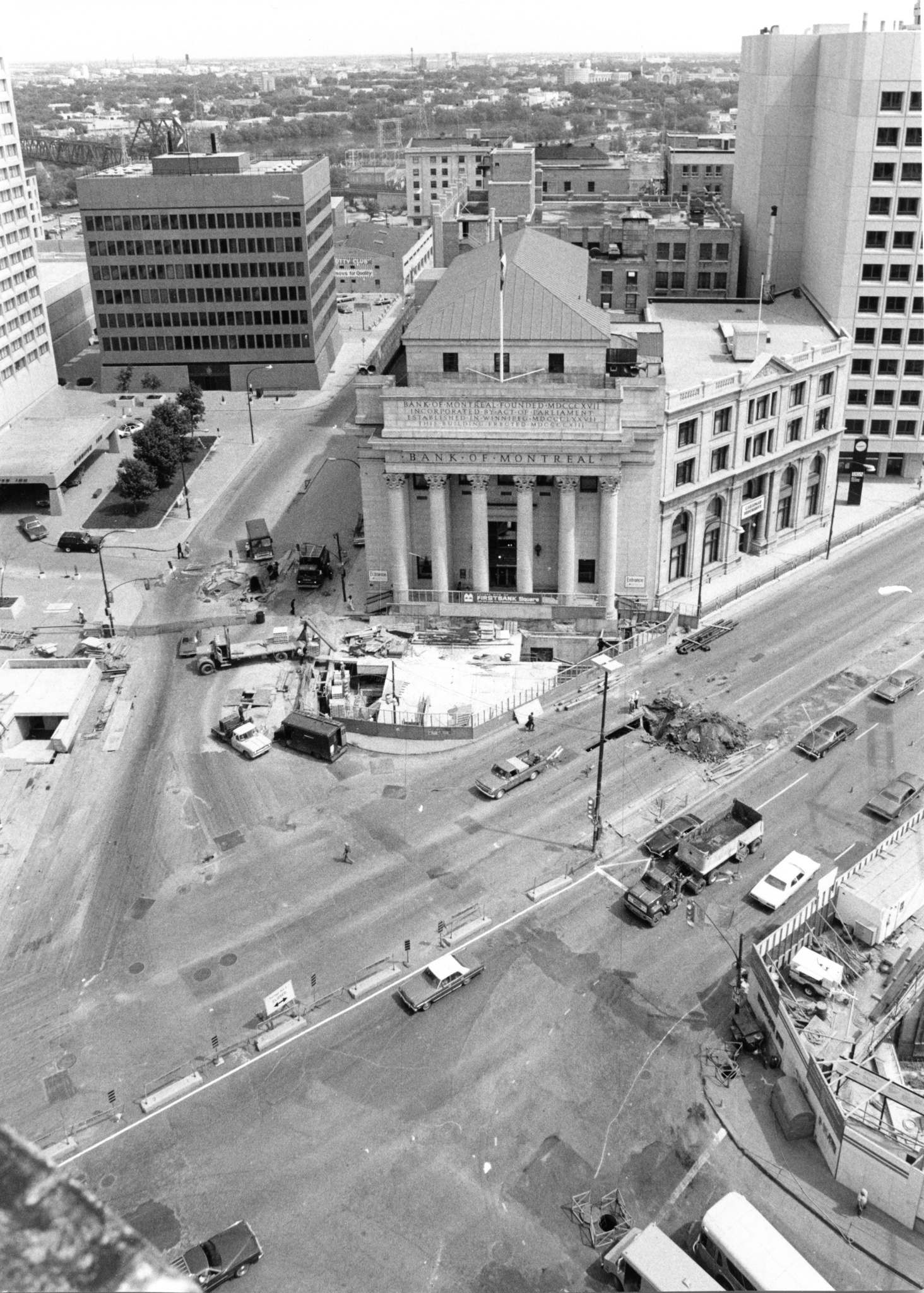 The familiar sight of road construction at the intersection, seen here in May 1978.  City crews were putting in new pavement, replacing existing sidewalks with interlocking paving stones, and upgrading street lighting. (Wayne Glowacki / Winnipeg Free Press files)</p>