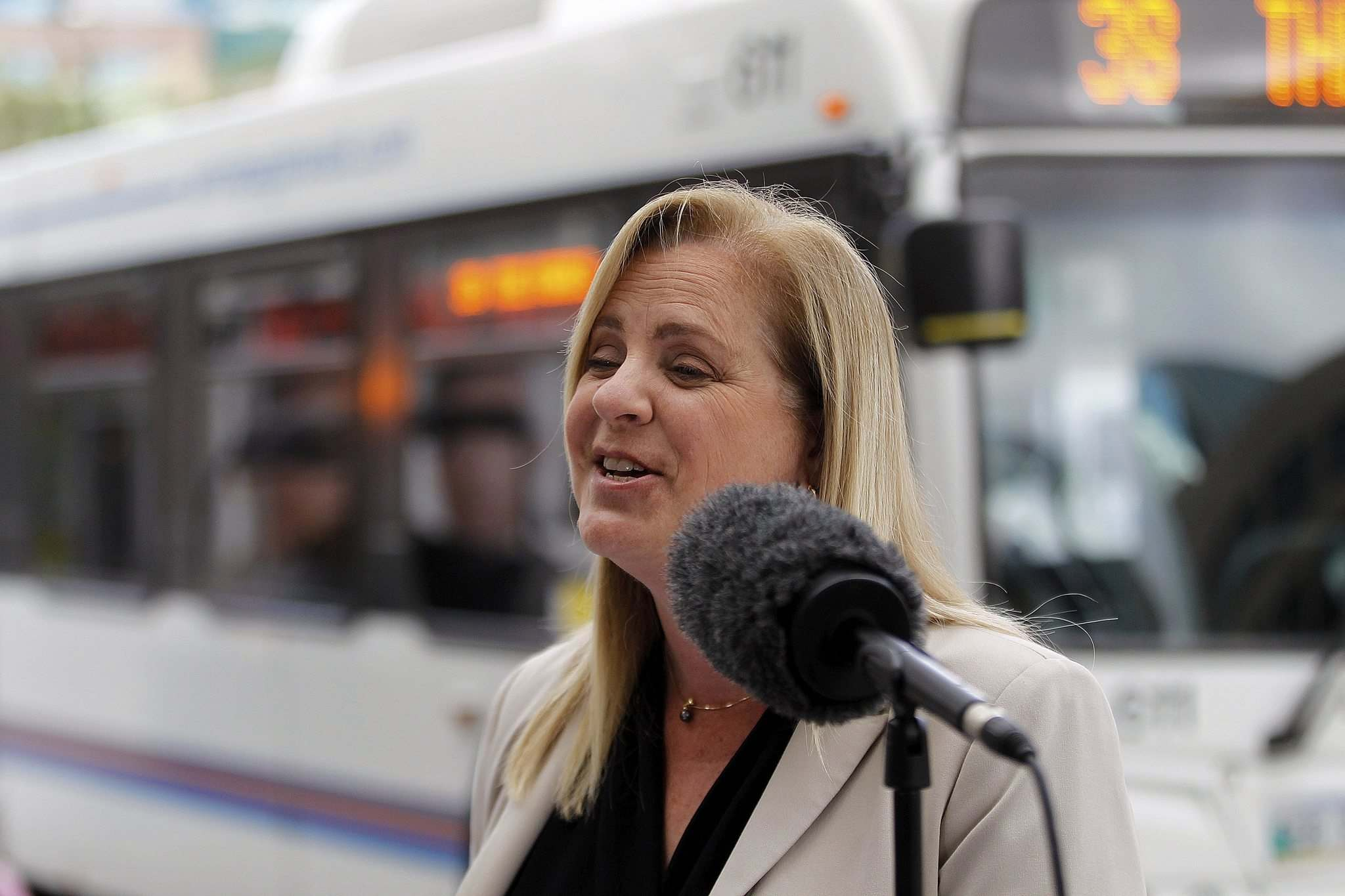 PHIL HOSSACK / WINNIPEG FREE PRESS - Mayoral Candidate Jenny Motkaluk holds a press conference Tuesday Morning at Portage ave and Kennedy. - August 14, 2018</p></p>
