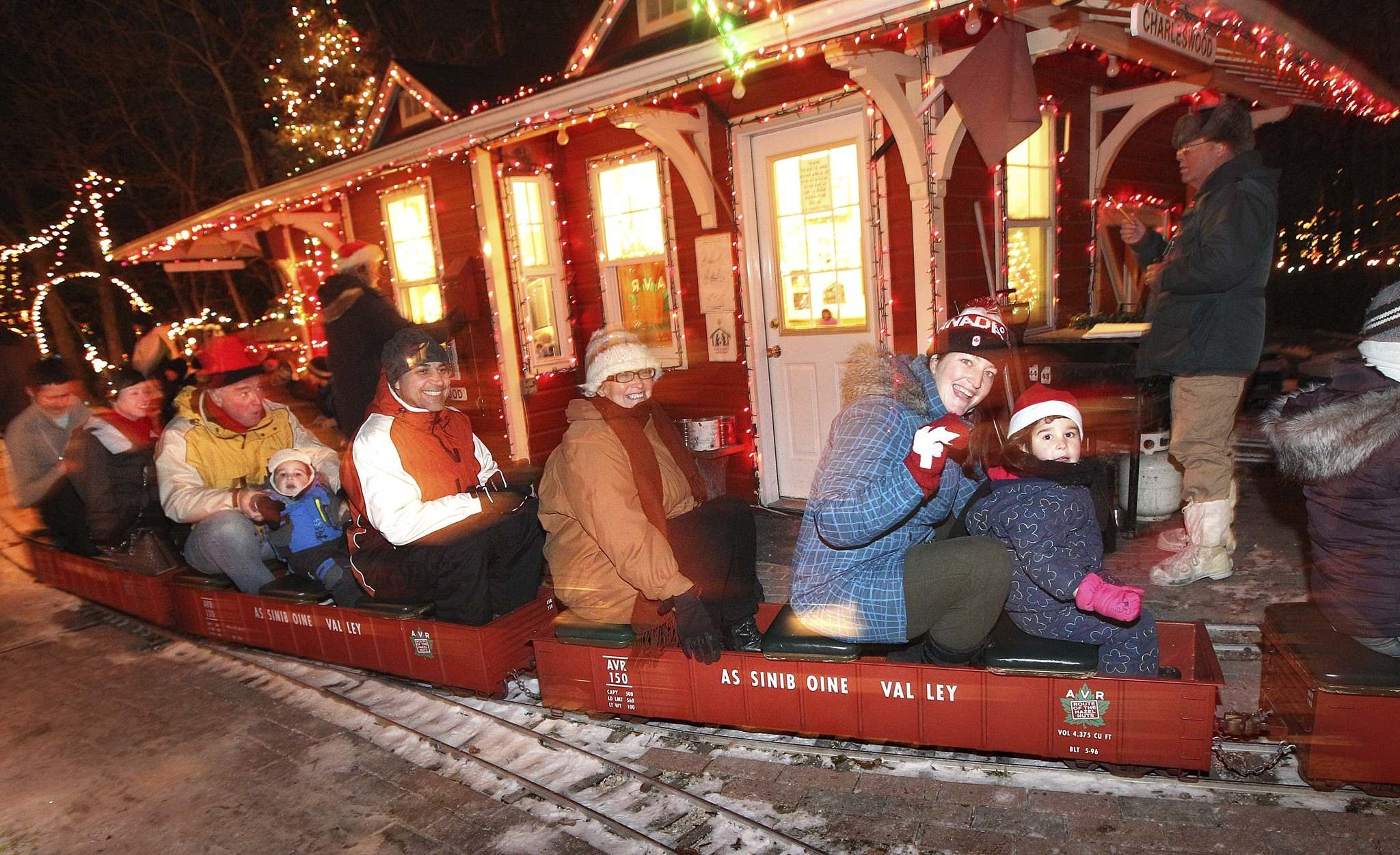 The Assiniboine Valley Railway Christmas train stopped running following the death of property owner Bill Taylor. All the Christmas decorations used in the annual display were destroyed after a shed they were stored in burned down earlier this week. (Ruth Bonneville / Winnipeg Free Press files)</p>