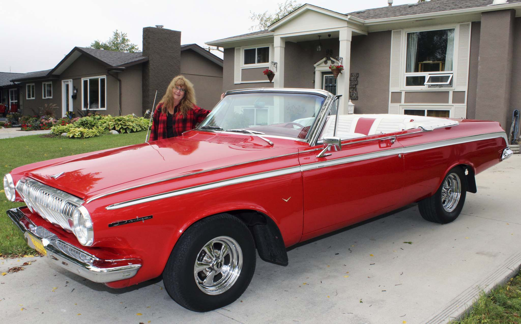 Larry D'Argis / Winnipeg Free PressShelley Daniels shows off her 1963 Dodge 440 convertible. She purchased the rare specimen from another classic car enthusiast in the city.
