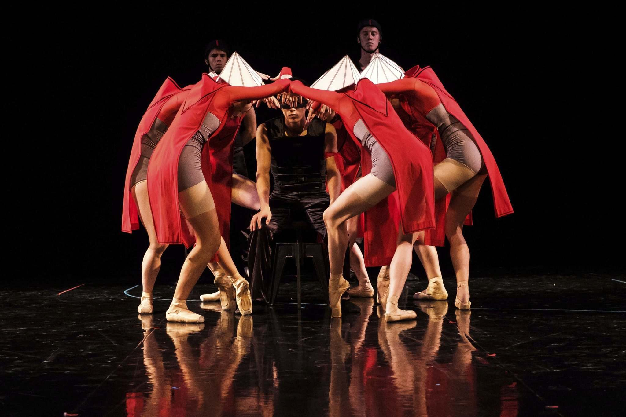 The Royal Winnipeg Ballet company dancers are a tightly knit, cohesive ensemble in the Handmaid's Tale. (Daniel Crump / Winnipeg Free Press)