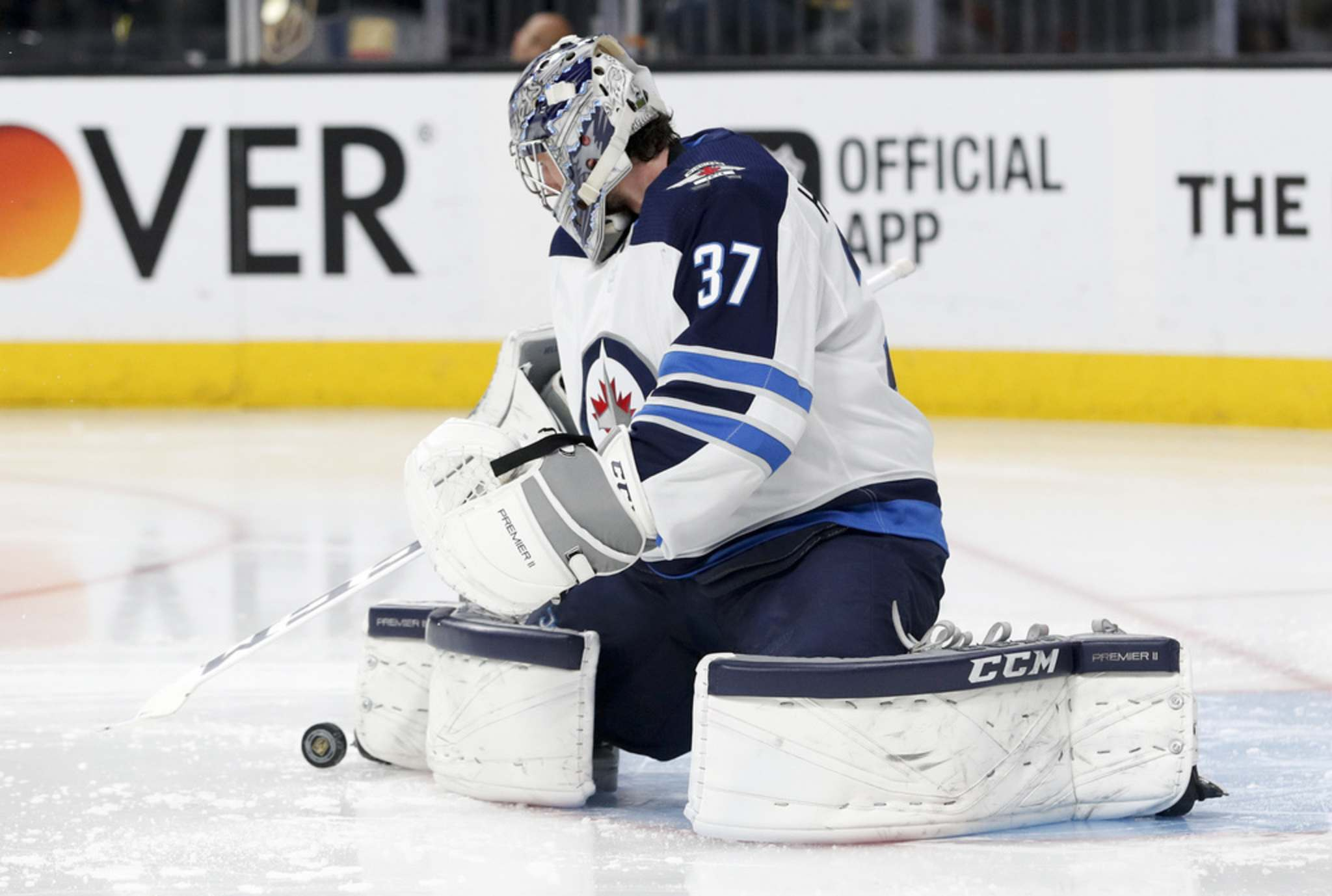 Connor Hellebuyck had a 44-11-9 record last year and will carry a heavy workload this season. His play will be a key factor in how the Jets fare. (John Locher / The Associated Press files)</p></p>