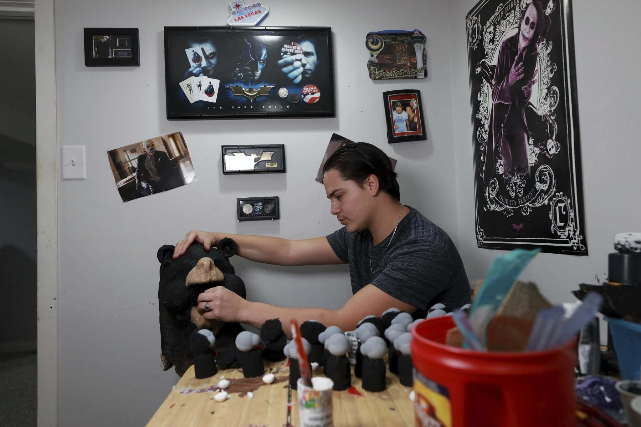 RUTH BONNEVILLE / WINNIPEG FREE PRESS</p></p><p>Nobess puts a finishing touch on another mask. He'll be at this weekend's Comic Con.</p>