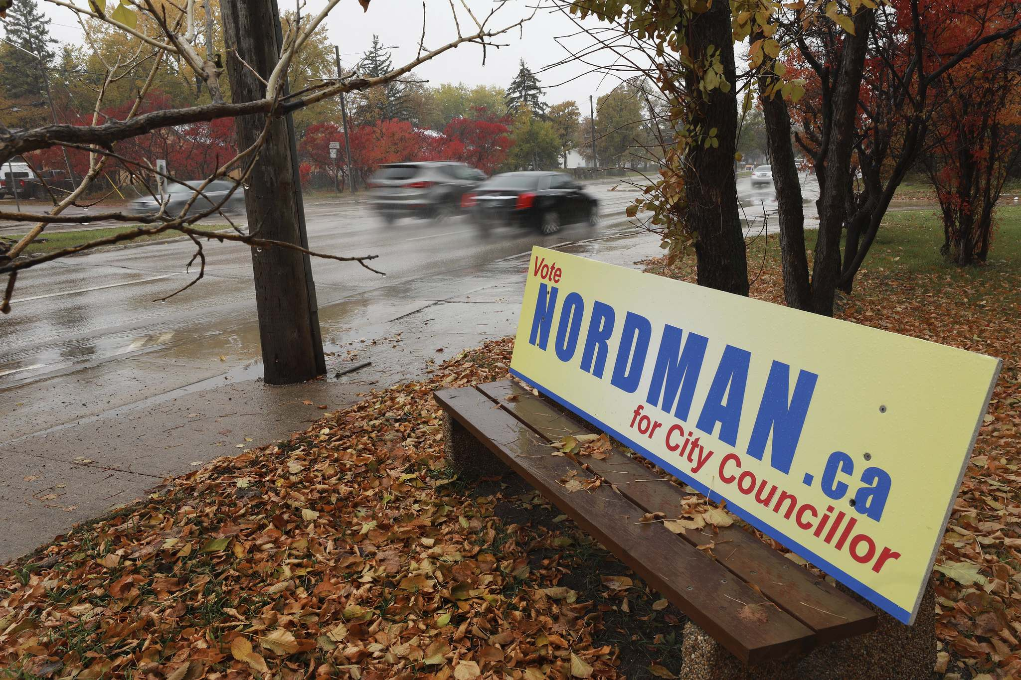 Grant Nordman started advertising on bus benches prior to registering as a candidate, which is a violation of civic election laws. (Ruth Bonneville / Winnipeg Free Press files)</p>