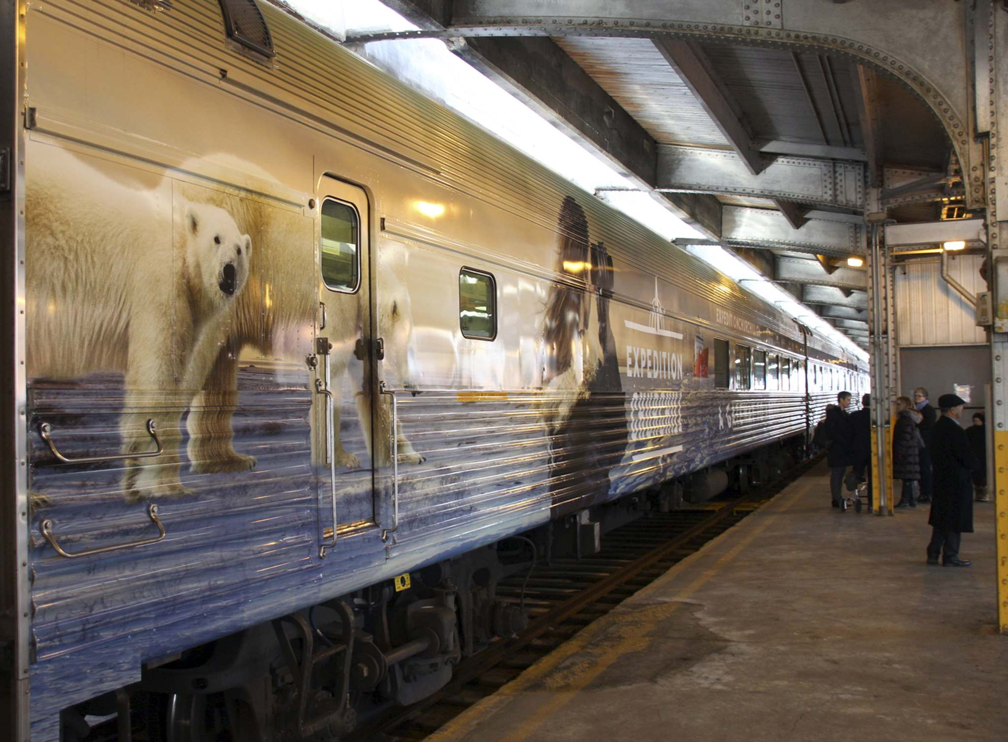 DANTON UNGER / WINNIPEG FREE PRESS</p><p>Via Rail's new Arctic-themed dining car, unveiled at Union Station in Winnipeg on Friday, was developed by the University of Manitoba to help educate people about the climate change research being done in Churchill.</p>