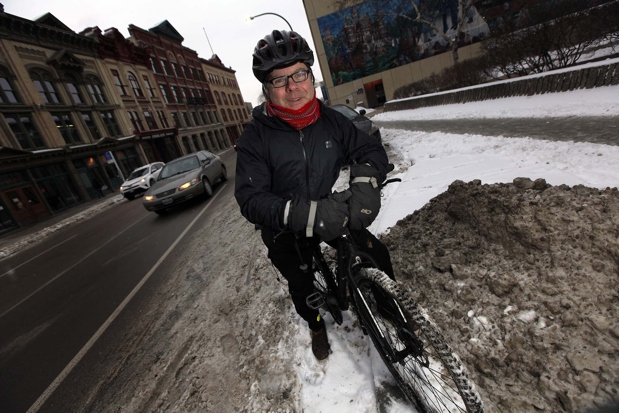 PHIL HOSSACK / WINNIPEG FREE PRESS</p><p>Mark Cohoe executive director of the advocacy group Bike Winnipeg, thinks the more people that cycle as a way to get around, the bigger the reduction in traffic congestion downtown and greenhouse gas emissions will be.</p>