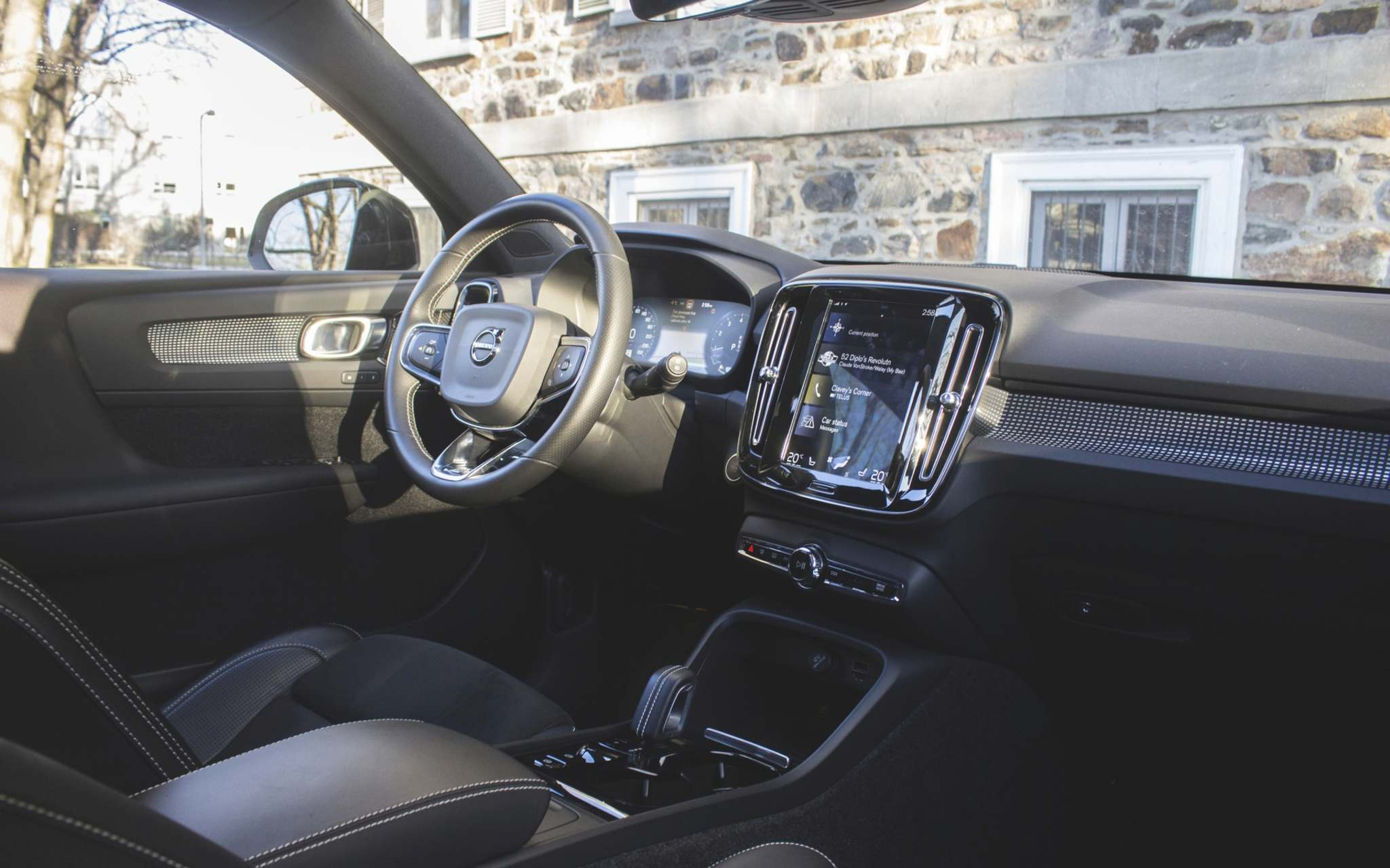 Volvo doesn't disappoint with its luxurious interiors. The XC40 features an infotainment system, however it can be slow to run on cold days.