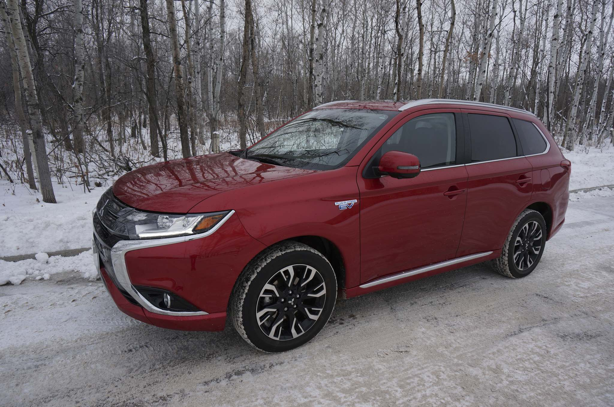 Haney Louka / Winnipeg Free PressThe Mitsubishi Outlander PHEV is the first plug-in hybrid vehicle to reach sales of 5,000 in Canada in a single calendar year.