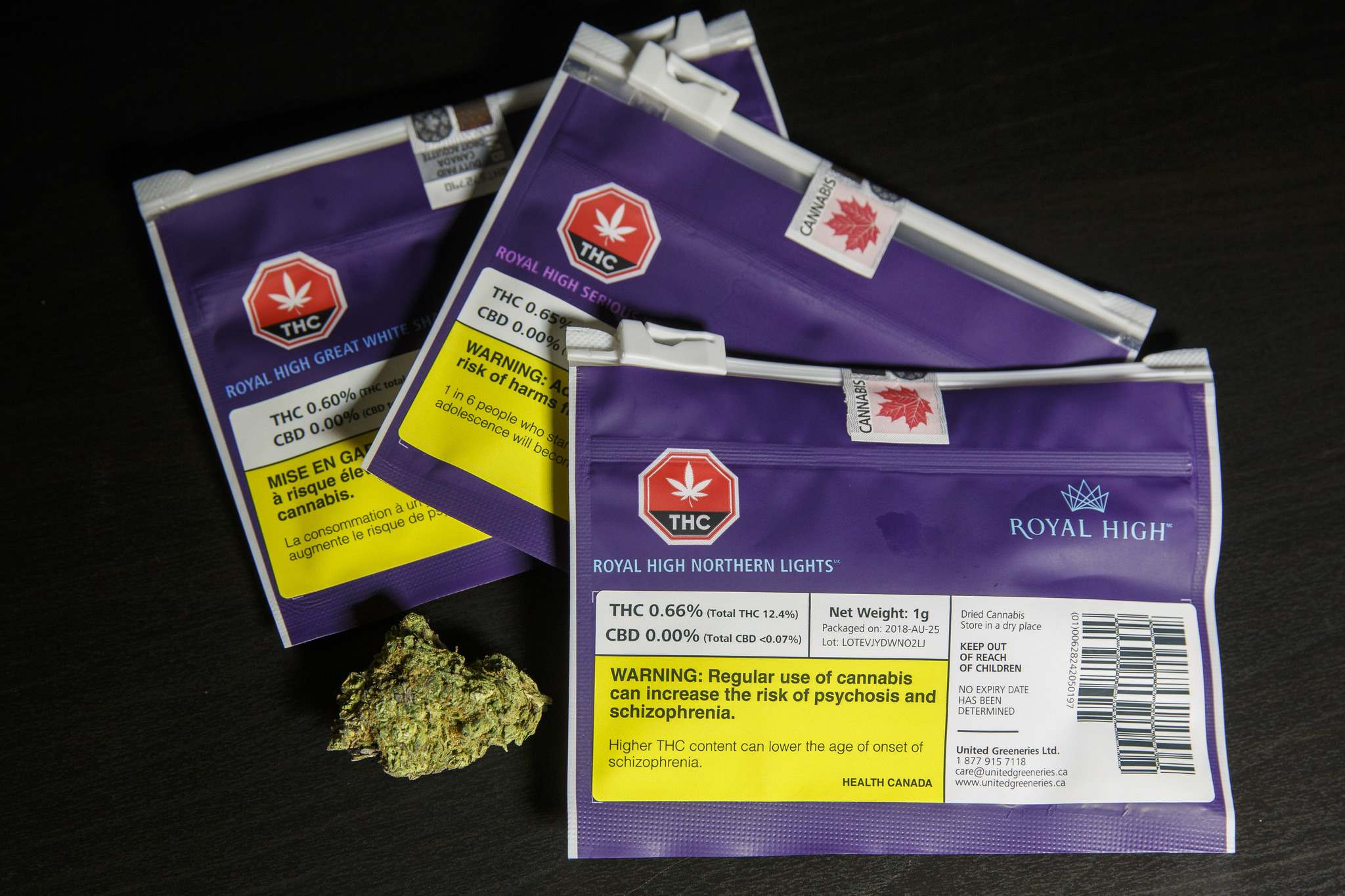 MIKE DEAL / WINNIPEG FREE PRESS FILES <p /></p></p><p>Government-regulated cannabis packaging in Canada must include a prominent health warning label.</p>