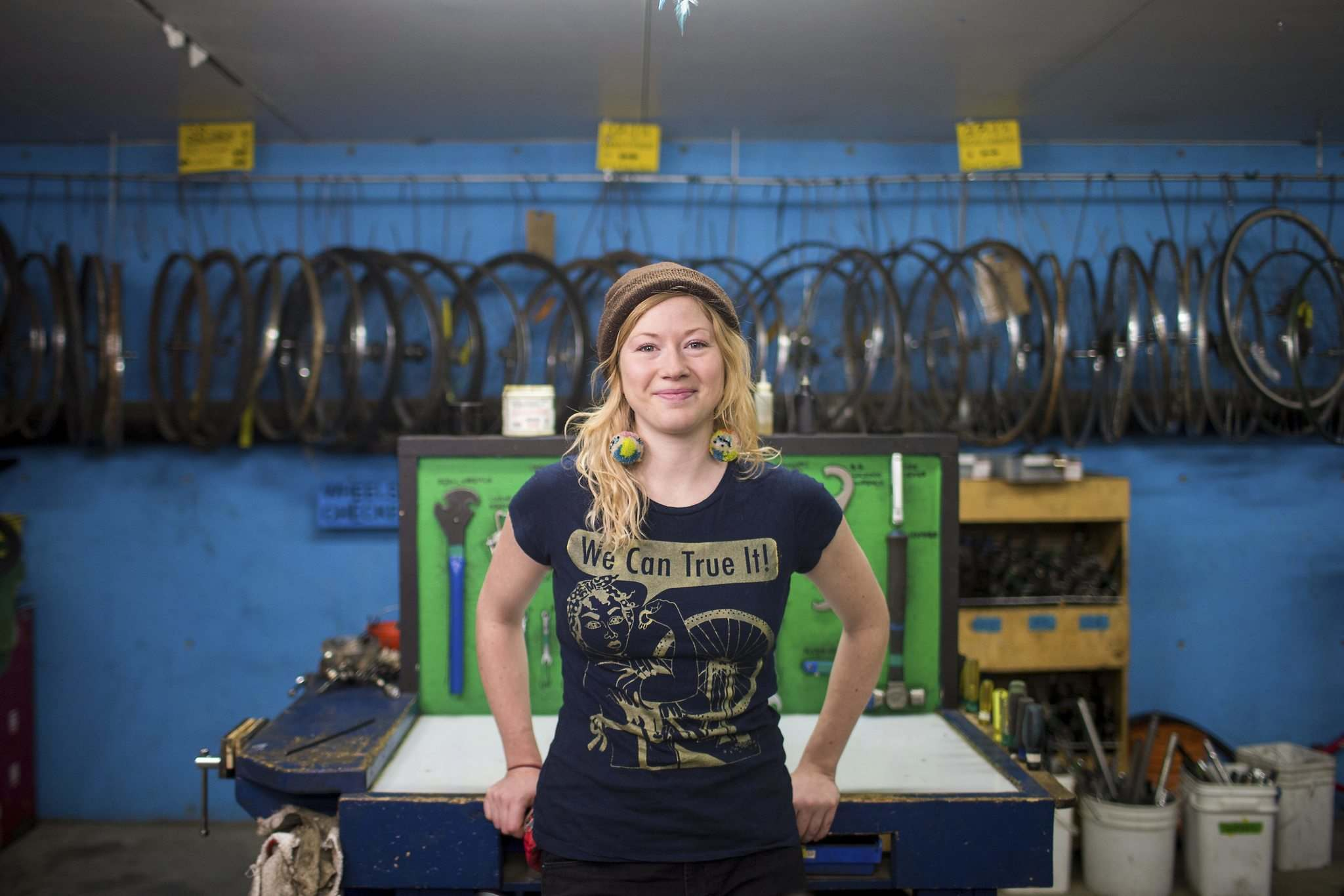 MIKAELA MACKENZIE / WINNIPEG FREE PRESS</p><p>Skill Jill co-ordinator Sarah Thiessen says the free workshops — for carpentry, electrical wiring, auto mechanics, sewing with a machine, arboriculture and audio storytelling — are sold out and there is a waiting list.</p>
