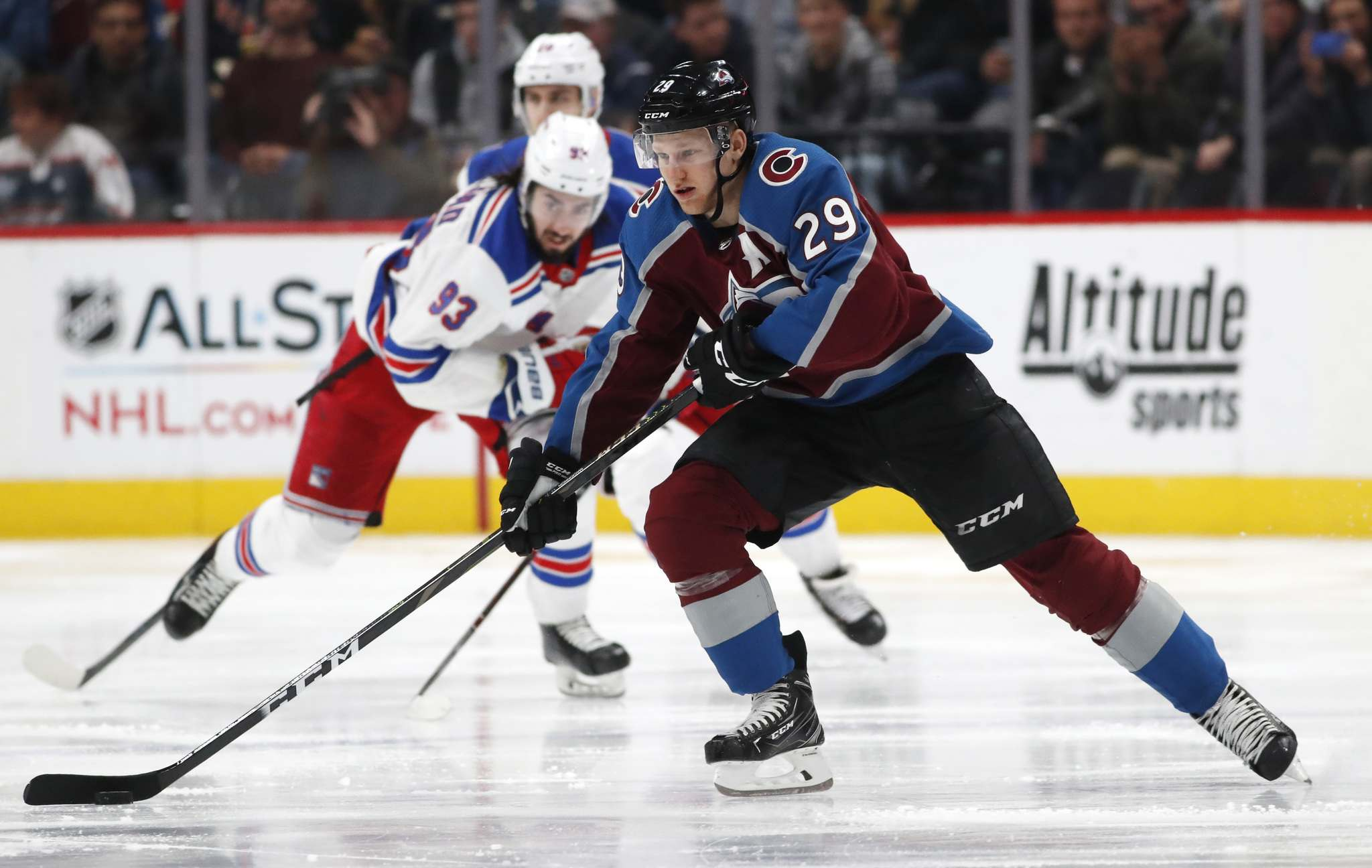Colorado Avalanche centre Nathan MacKinnon (David Zalubowski / Associated Press files)</p>