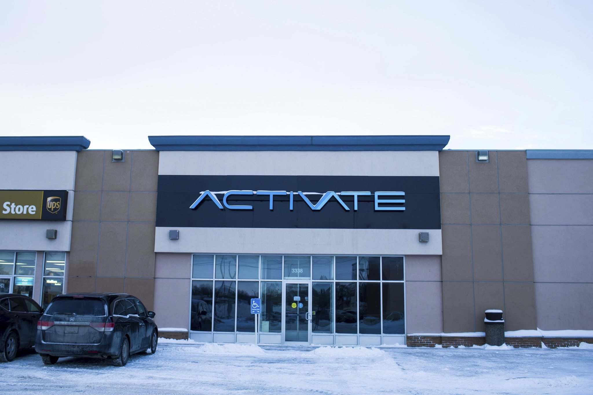 It doens't look like much from the outside, but inside Activate Games is a new gaming experience. (Mikaela MacKenzie / Winnipeg Free Press)