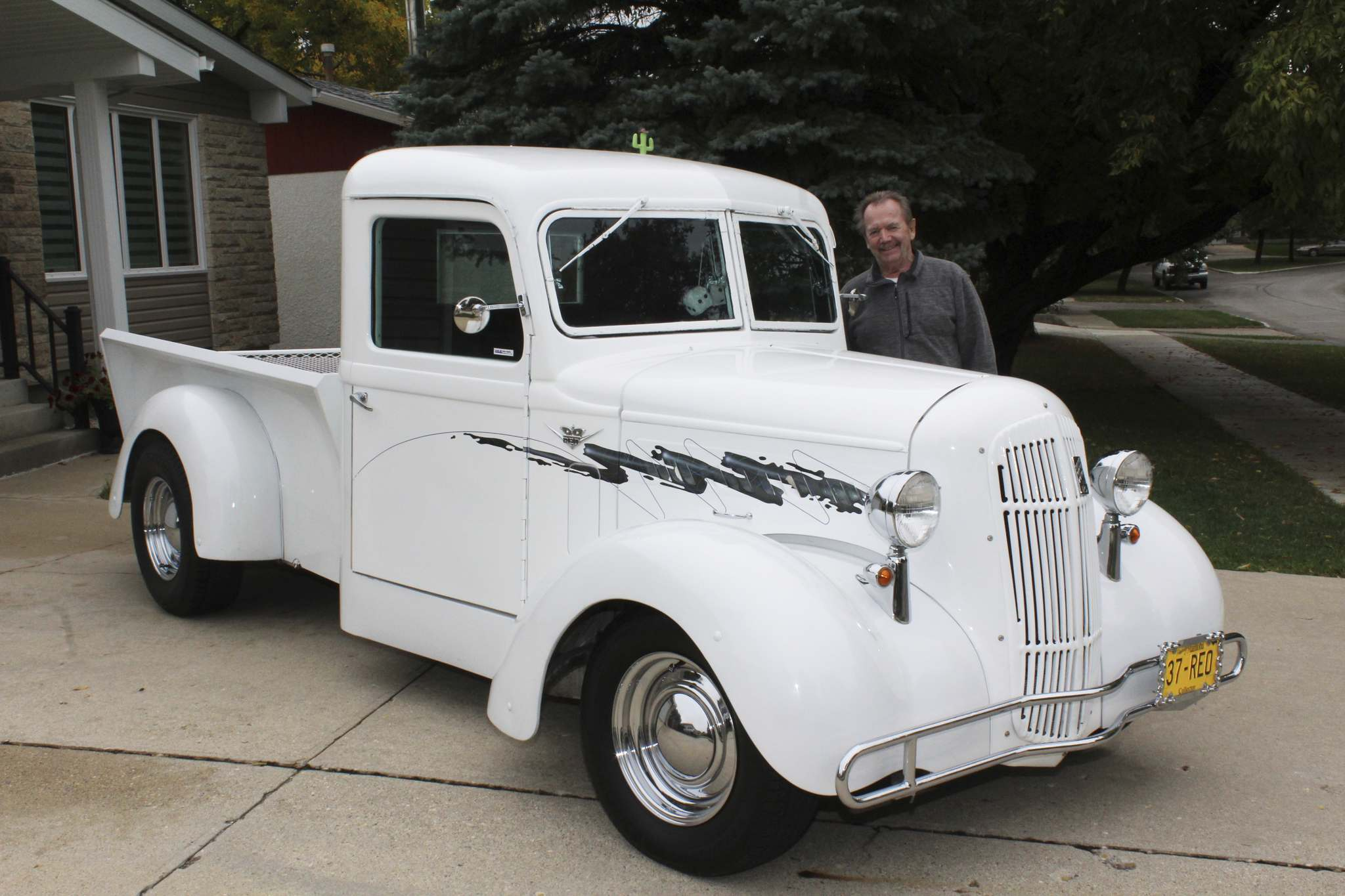 Photos by Larry D'Argis / Winnipeg Free PressBill Brewis rebuilt his father's 1937 REO half-ton pickup into a stunning cruiser. There are only a few of these vehicles in existence and this one calls Winnipeg home.
