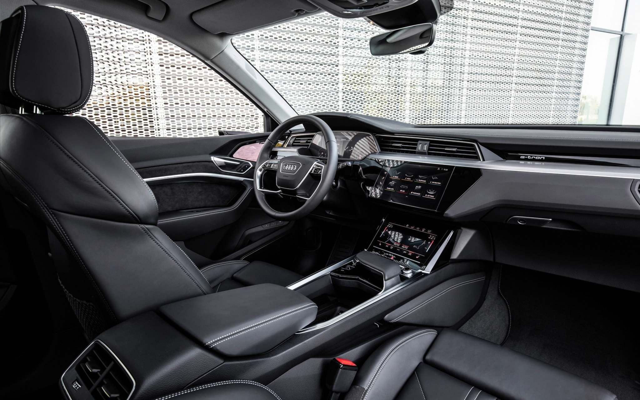 The interior offers up to 1,755 litres of cargo space and five high-tech colour touchscreens.