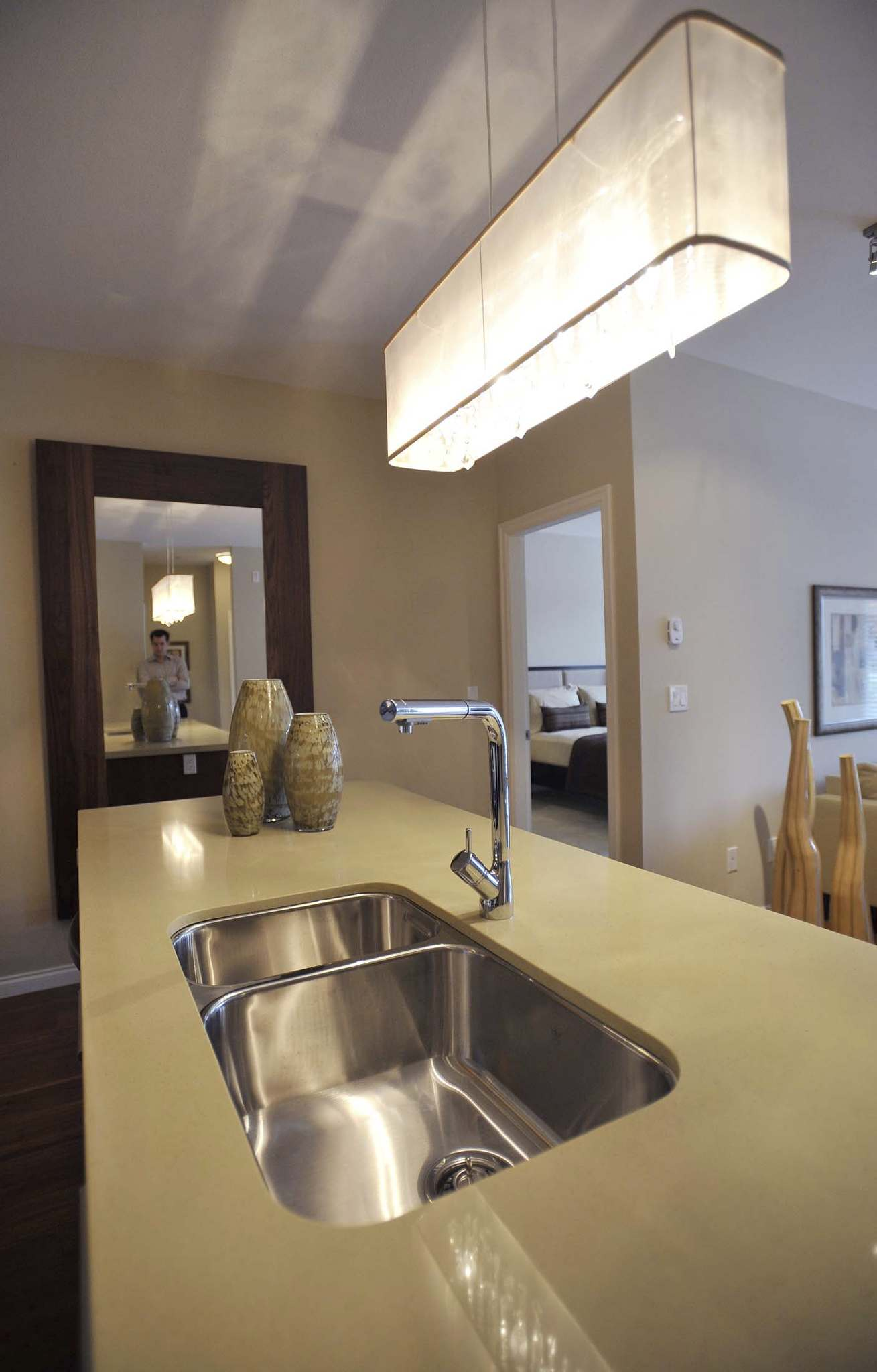 Ric Ernst / Holmes GroupWith the right mix of ingredients and effort, you can restore the shine to your stainless steel kitchen sink.