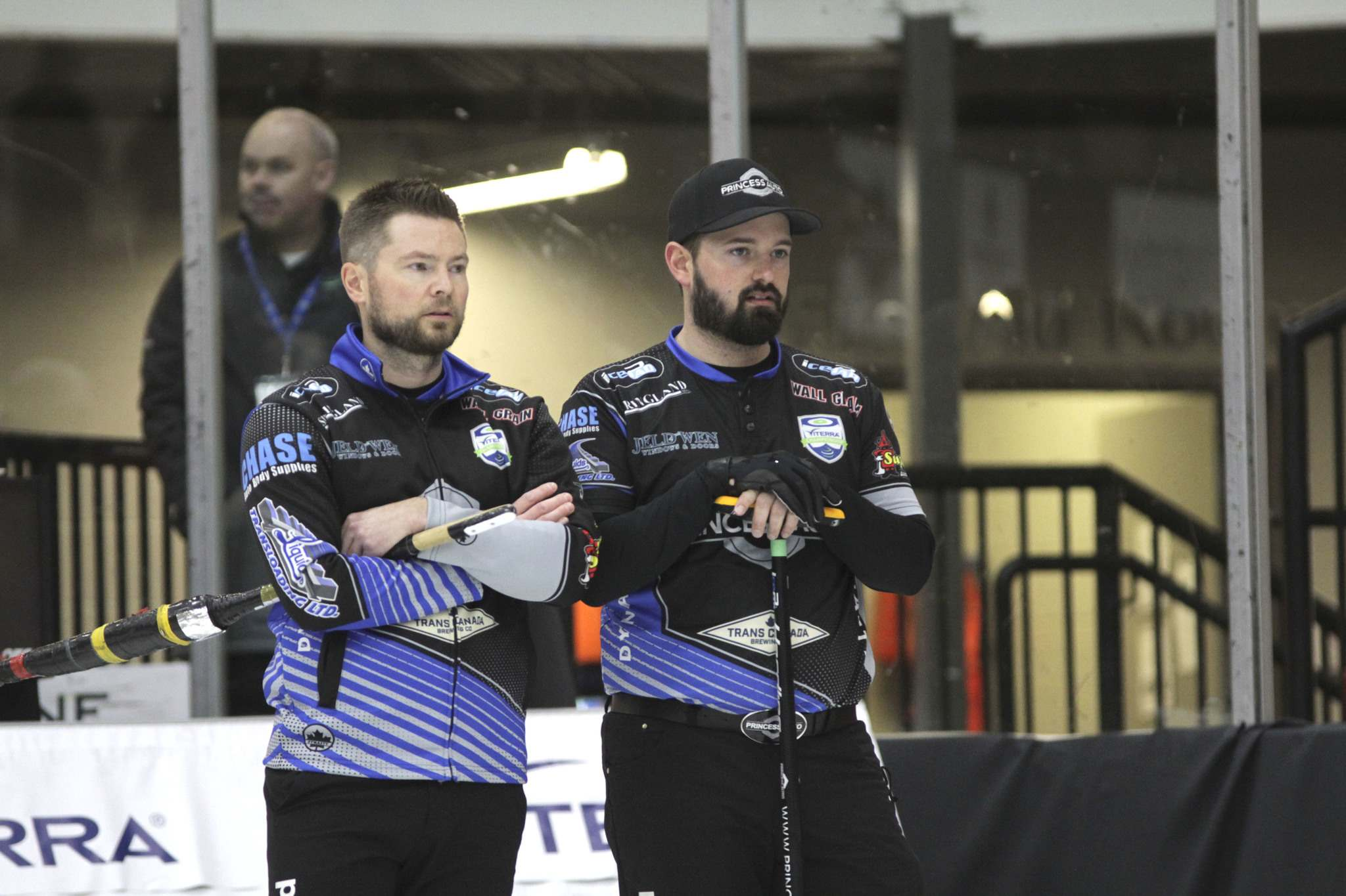 Mike McEwen, left, and Reid Carruthers won their fifth consecutive game to move into the 1 vs. 2 Page playoff game. (Thomas Friesen / Brandon Sun files)</p></p>