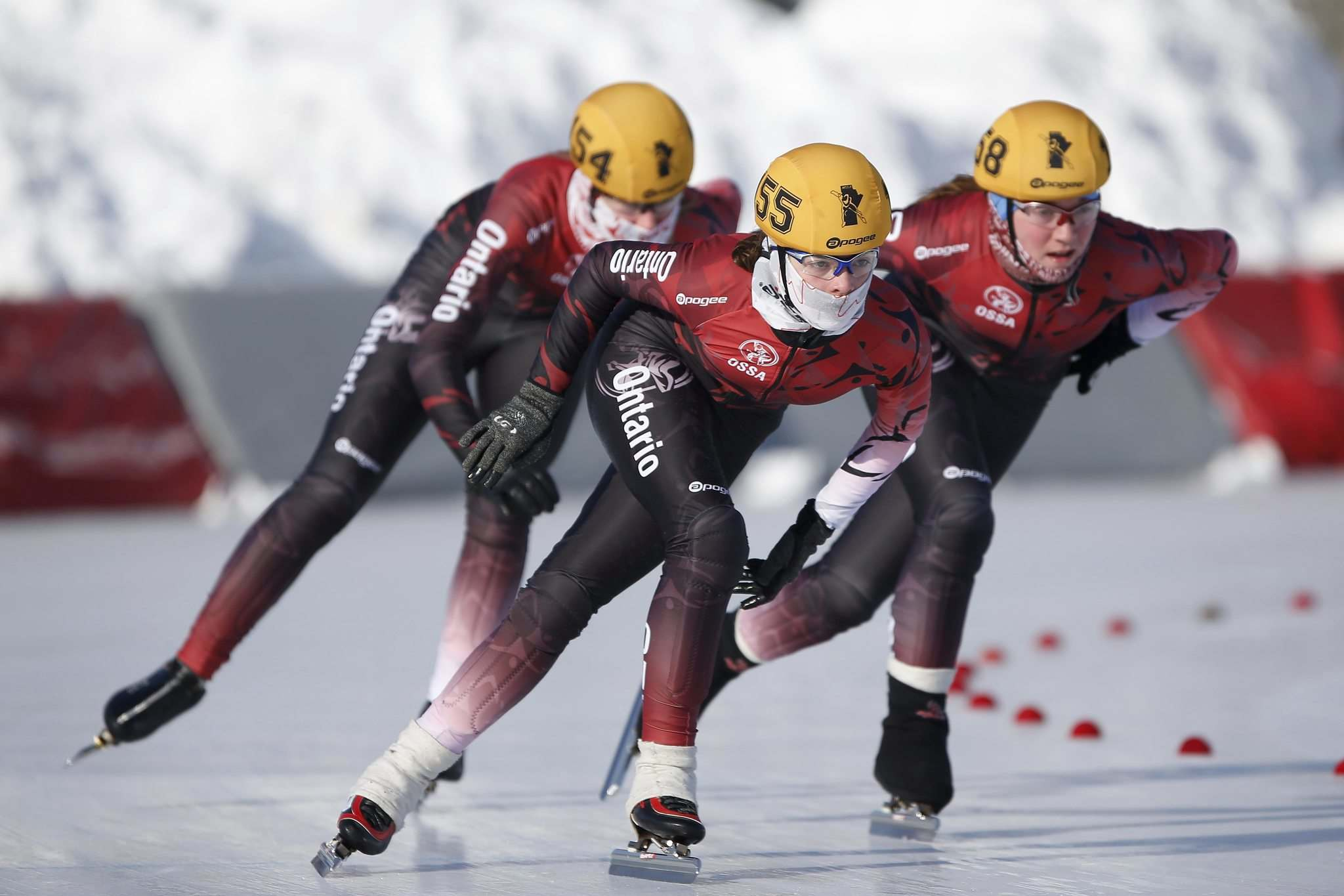 JOHN WOODS / WINNIPEG FREE PRESSOntario&#39;s Alison Milne (155) leads her teammates Emily Wood (158) and Sarah Murray (154) in the 5 lap pursuit at the Canadian Age Class Long Track Championships at the Susan Auch Oval in Winnipeg Sunday.</p>