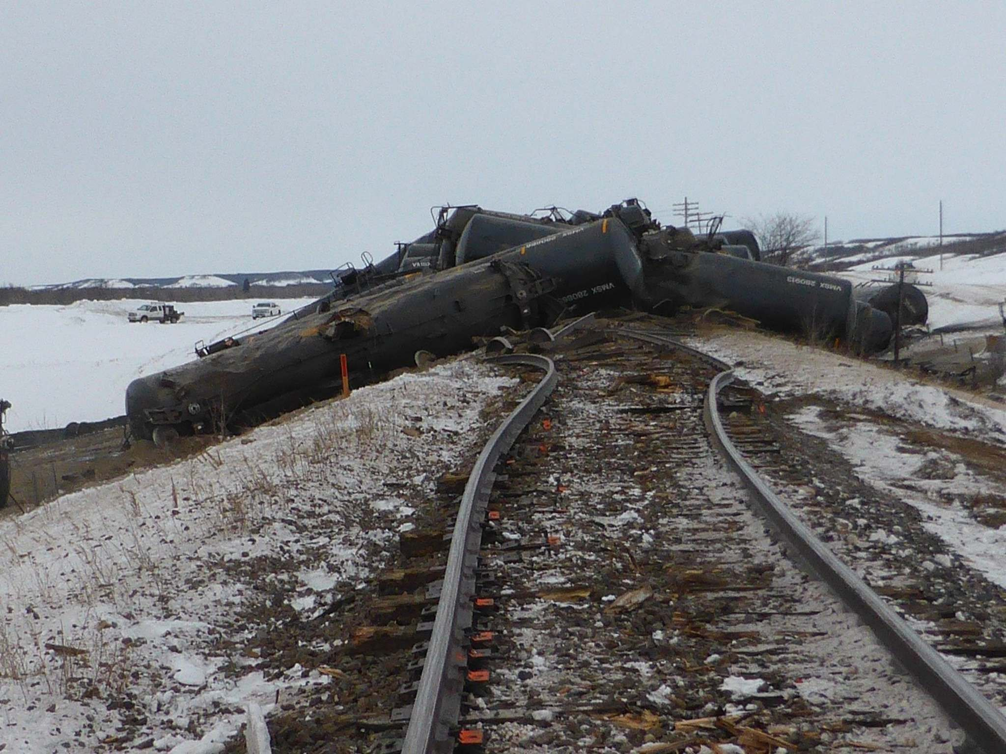 A CN oil train bound for Winnipeg derailed Saturday near St. Lazar causing 37 cars to pile up. (Transportation Safety Board)</p>
