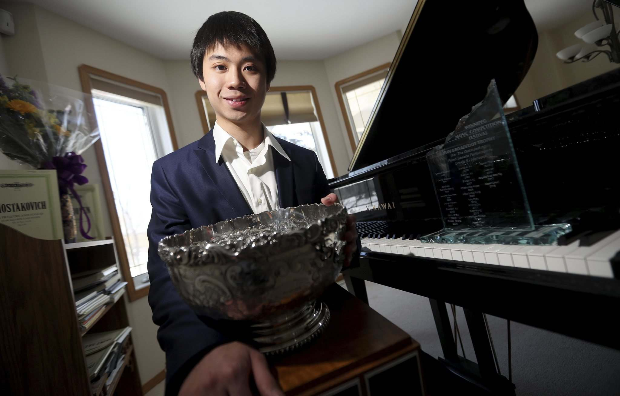 TREVOR HAGAN / WINNIPEG FREE PRESS</p><p>Albert Chen's piano performance of a work by Shostakovich on Saturday earned him the Aikins Memorial Trophy for the most outstanding instrumental performance at the Winnipeg Music Festival.</p></p>