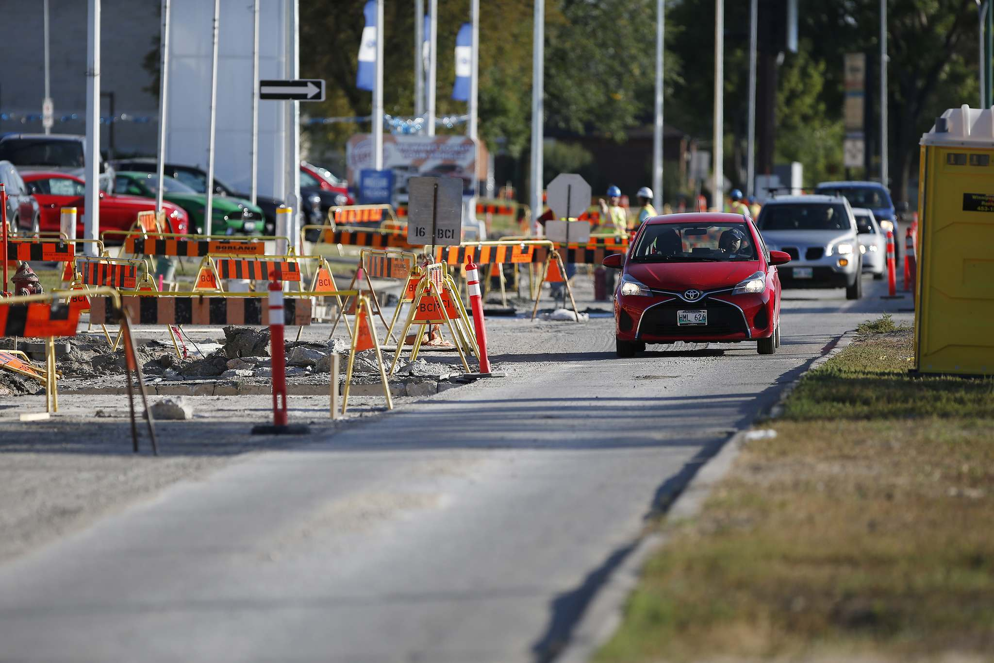 As a result of the provincial funding shortfall, the city had to cancel plans to repair 53 residential streets and 11 back lanes this year. The Empress Street project (above) is still proceeding and is expected to be finished next year. (John Woods / Winnipeg Free Press files)</p></p>