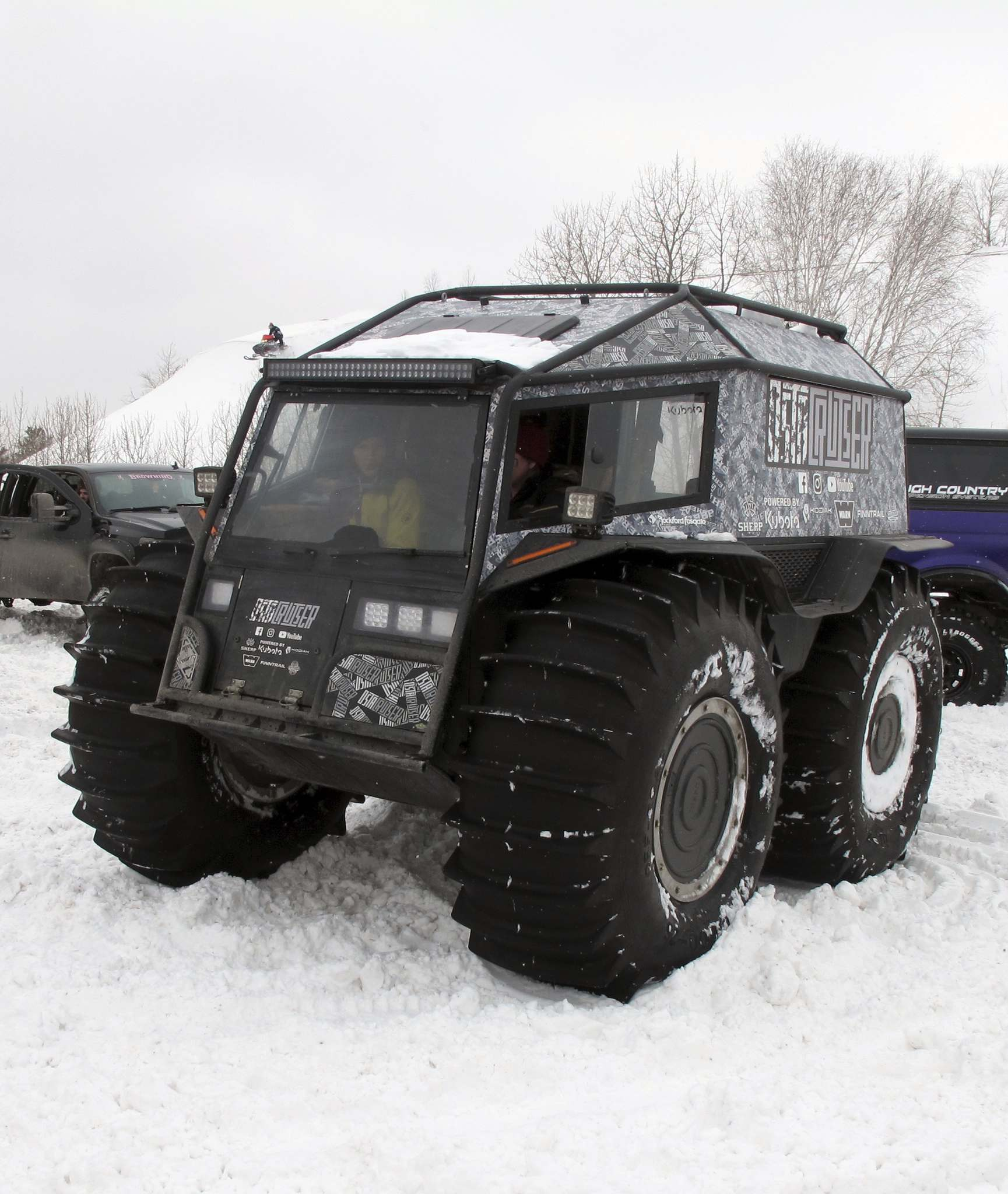 Willy Williamson / Winnipeg Free PressFor this year's Manitoba Winter Mega Run, the Ostacruiser team brought out their Sherp, an off-road beast built in Russia and bought in Manitoba.