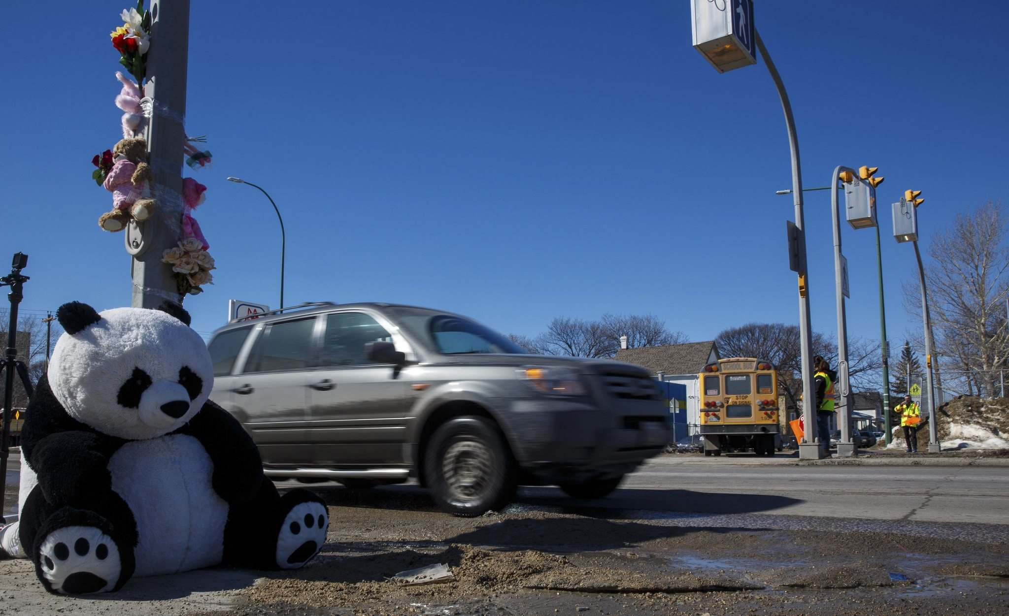 MIKE DEAL / WINNIPEG FREE PRESS</p><p>Traffic consultant Jeannette Montufar suggests flashing amber lights might enhance safety at the Isabel-Alexander pedestrian corridor