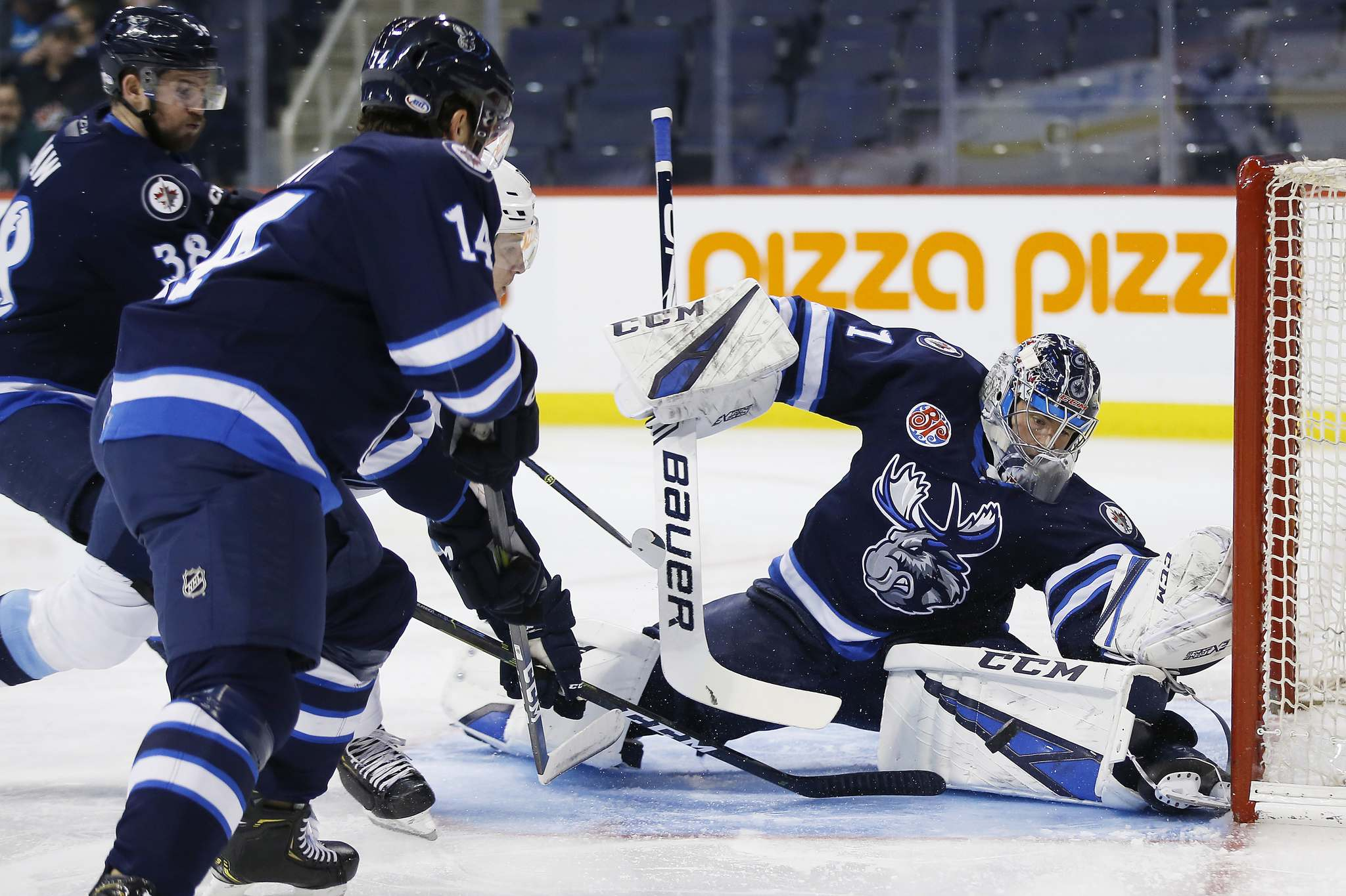 "Manitoba Moose goalie Eric Comrie was called up to serve as backup in case Laurent Brossoit's injury makes him unavailable to play. (John Woods / Winnipeg Free Press files)</p> <p>""></a><figcaption readability="