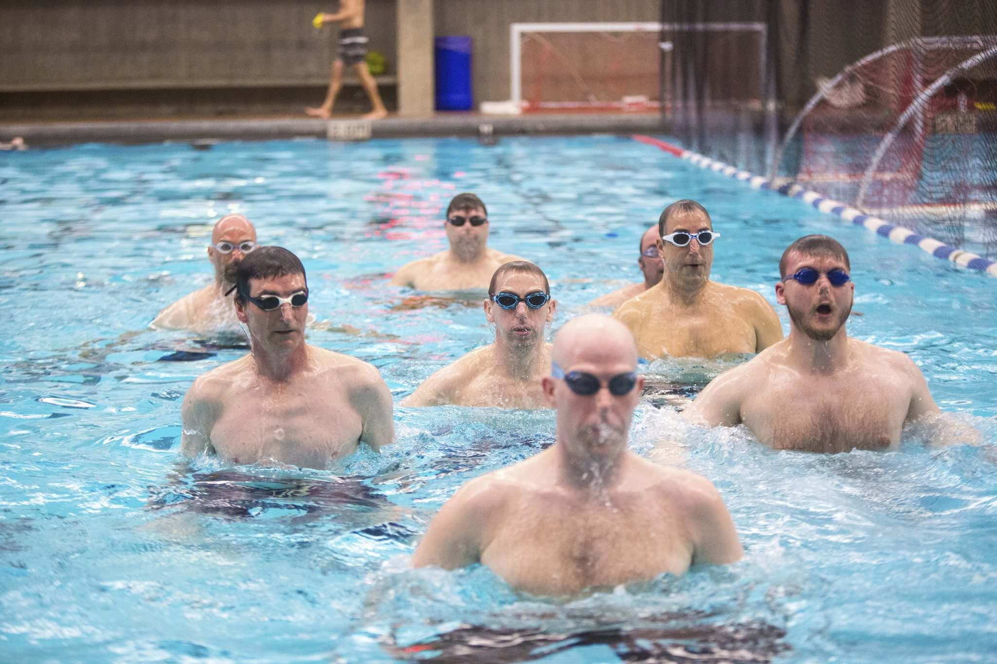 MIKAELA MACKENZIE / WINNIPEG FREE PRESS</p><p>Manitoba&rsquo;s first men&rsquo;s synchronized swimming team practises at the Pan Am Pool on Saturday. The team will showcase its newly found skills at a May 25th fundraiser.</p></p>