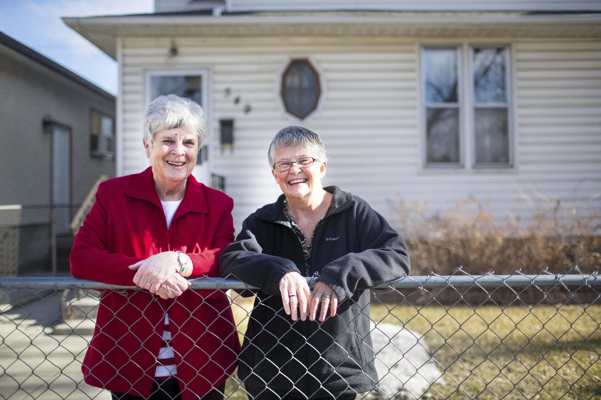 MIKAELA MACKENZIE / WINNIPEG FREE PRESS</p><p>Sister Bernadette O'Reilly (left) and Sister Margaret Hughes lived in the city for 40 years and touched the lives of thousands of people through their work at Rossbrook House.</p>