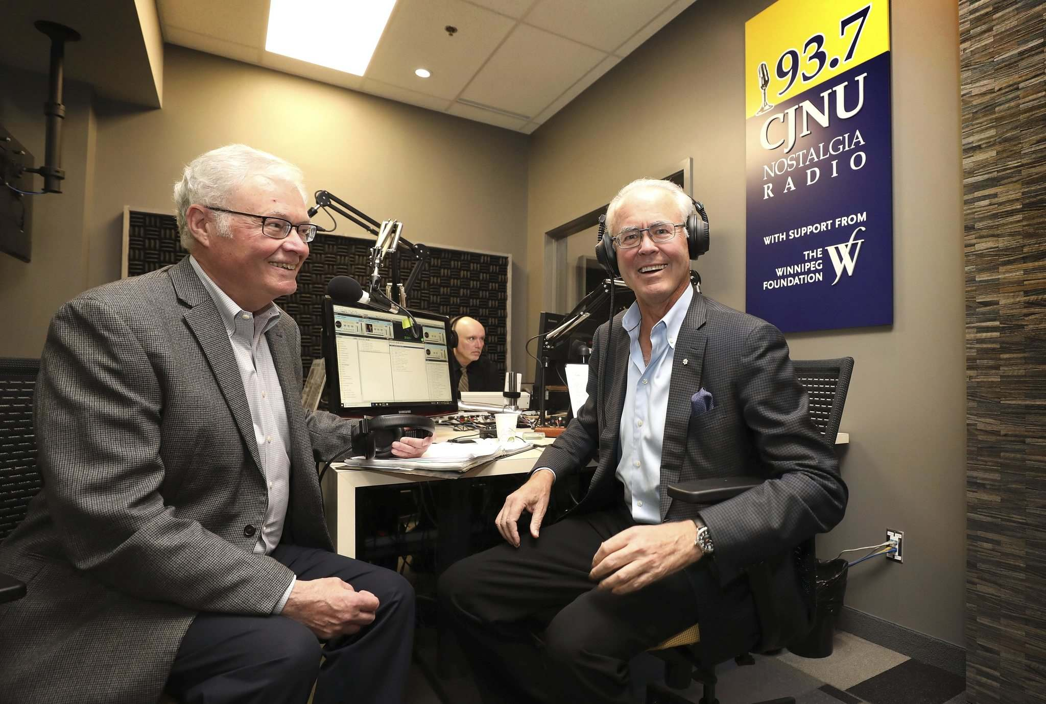Hartley Richardson and Rick Frost in the new studio. (Ruth Bonneville / Winnipeg Free Press)</p>