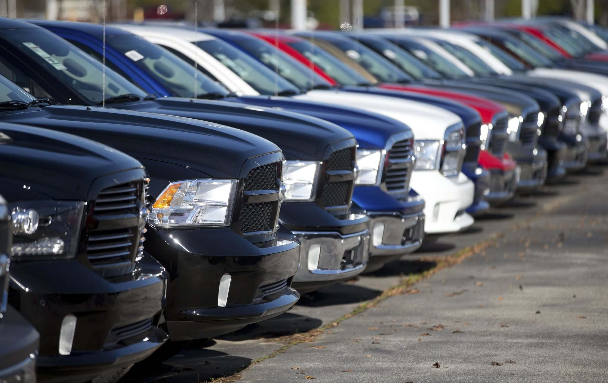 Canadians love SUVs and pickup trucks. (John Bazemore / The Associated Press files)