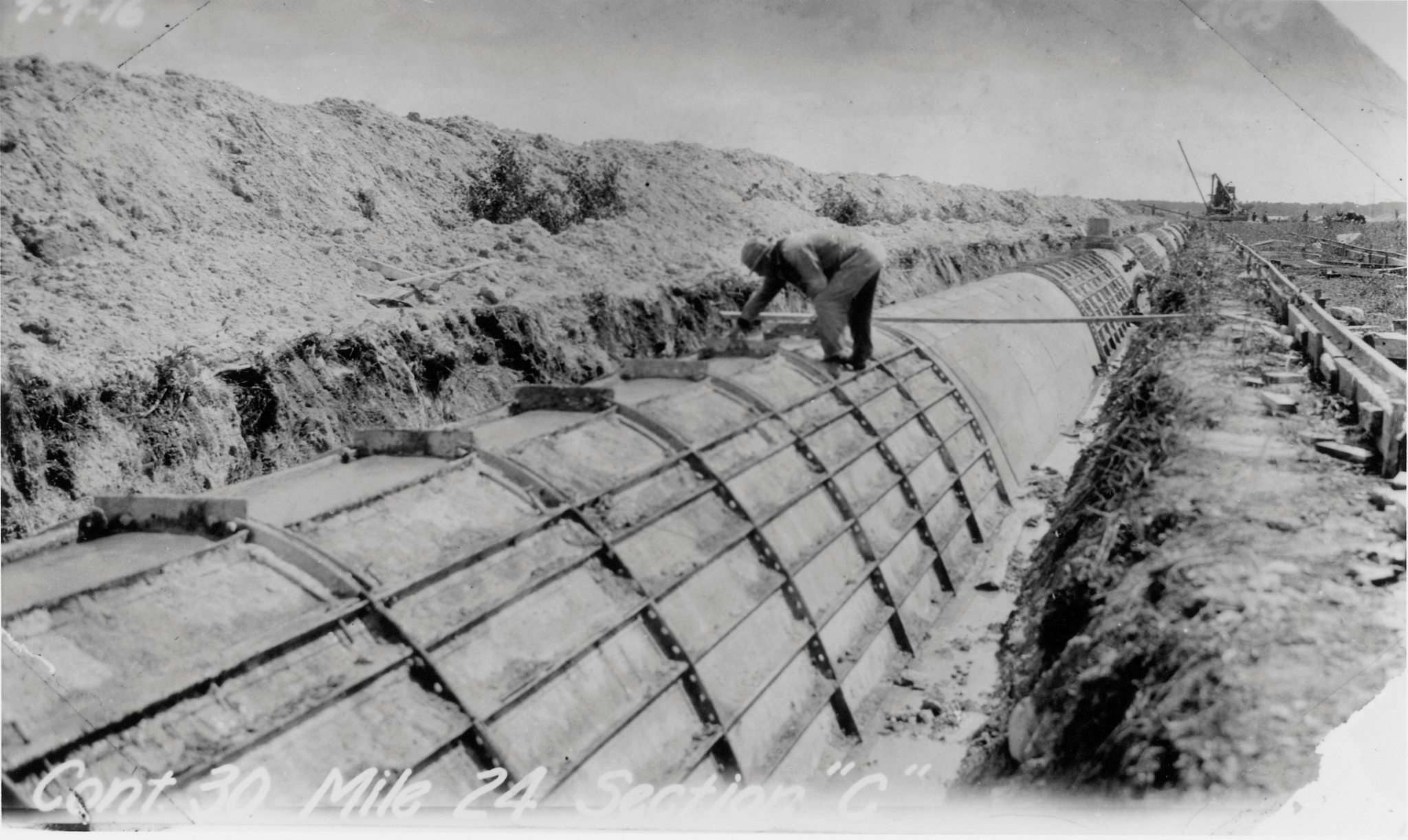 SUPPLIED</p><p>Water from Shoal Lake first flowed into Winnipeg in March 1919. The aqueduct is seen under construction in this circa-1917 photo.</p></p>