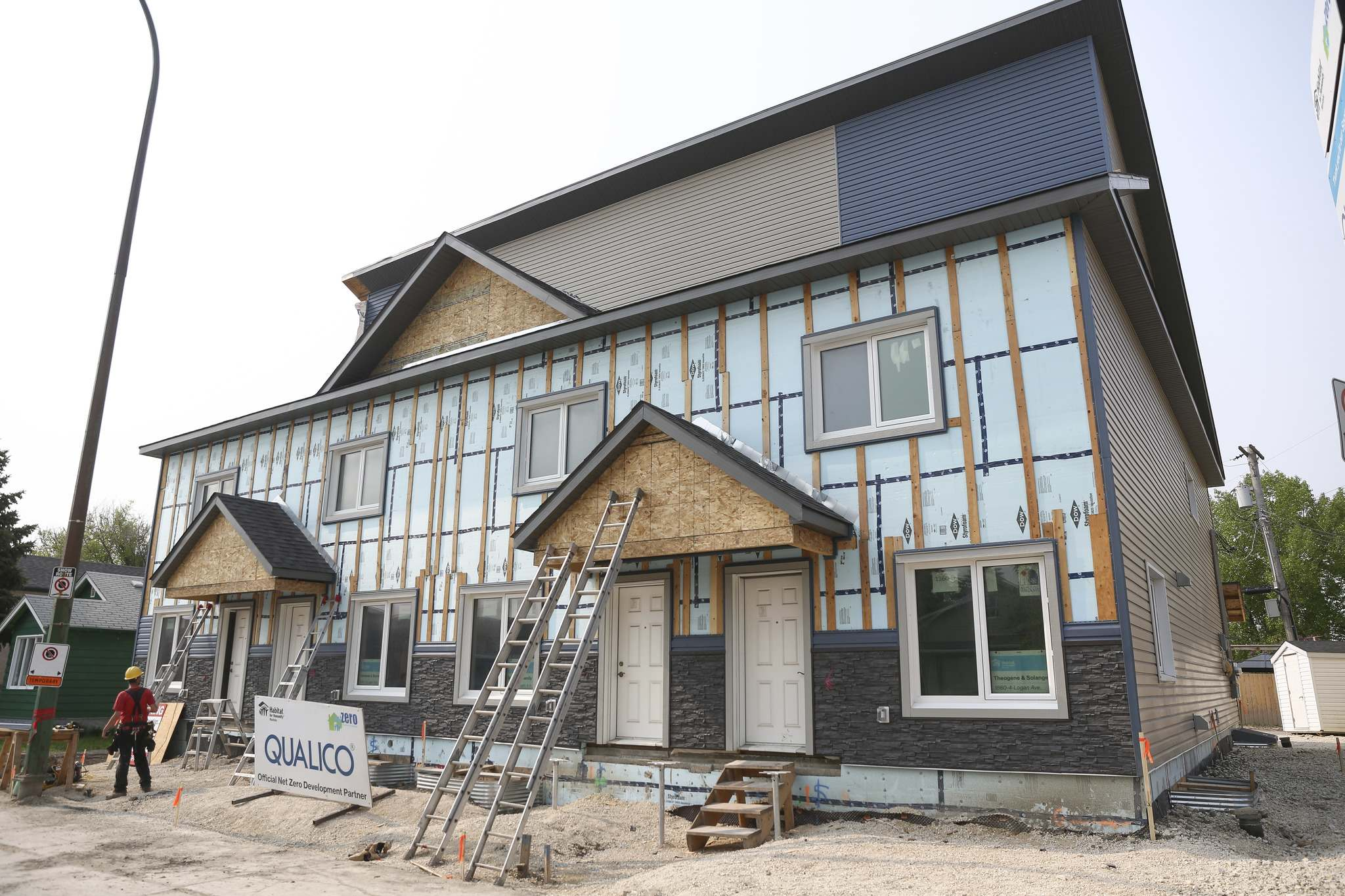 MIKE DEAL / WINNIPEG FREE PRESS</p><p>Habitat for Humanity unveiled its first ever Net Zero construction project Thursday morning. The four-plex at 1860 Logan Avenue is the first project of its kind in Manitoba and should produce as much energy as the homeowner uses.</p>