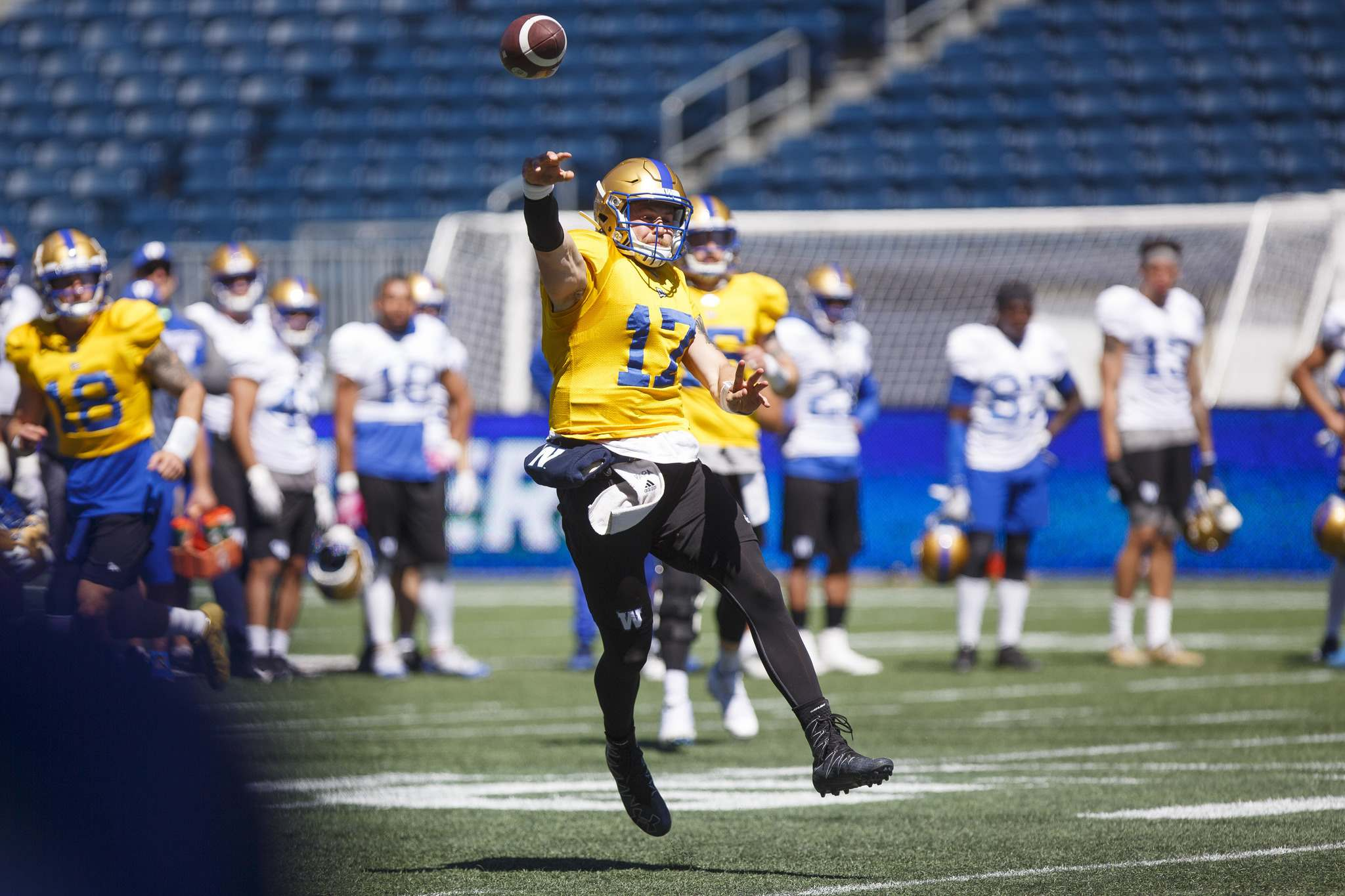 Chris Streveler is competitive, a fiery leader and doesn't think twice about laying it all on the line to help his team win. (Mike Deal / Winnipeg Free Press)</p>