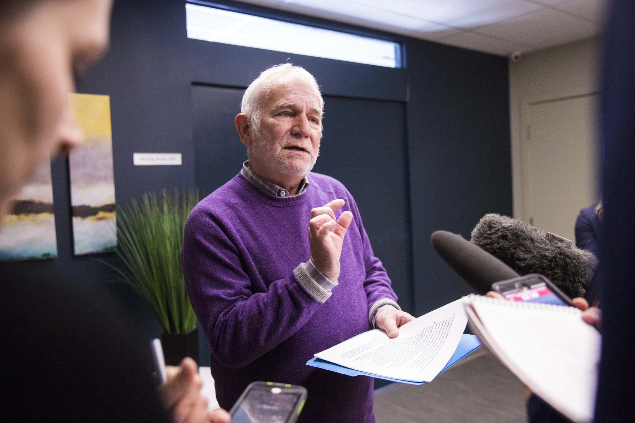 Consultant Dr. David Peachey delivered a 72-page assessment of the hospital reform process four weeks ago, prompting the Manitoba government to place a six-month pause on some of its planned changes. (Mikaela MacKenzie / Winnipeg Free Press files)</p>