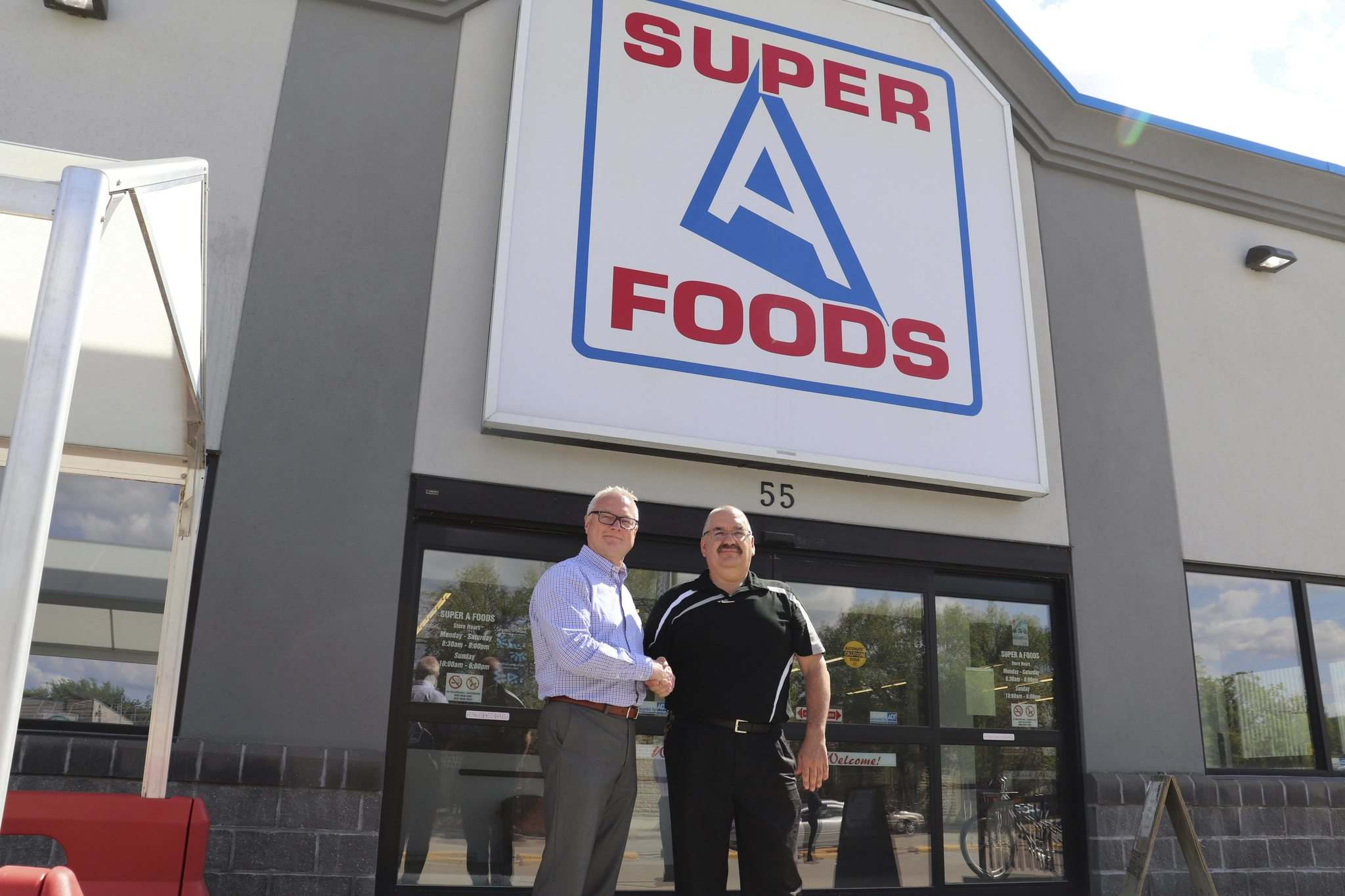 Red River Co-op will be taking over ownership and operations of the Super A Foods at 55 Centre St. in Gimli. (Supplied photo)</p>