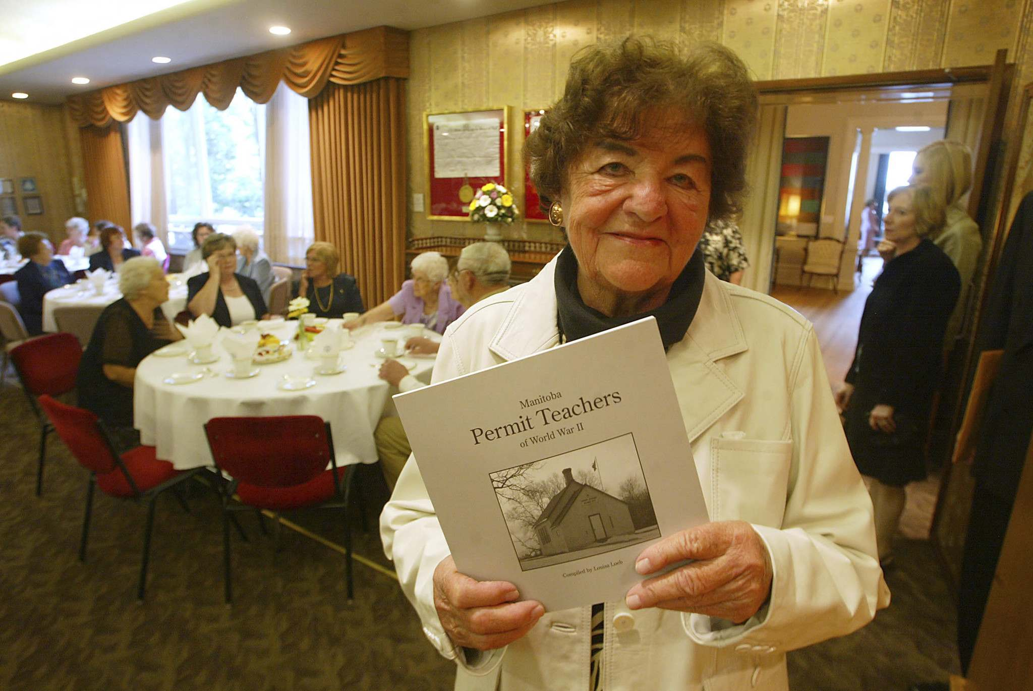 Marc Gallant / Winnipeg Free Press files</p><p>Louisa Loeb compiled a book of permit teachers' experiences for the inaugural reunion at government house in 2007.</p>