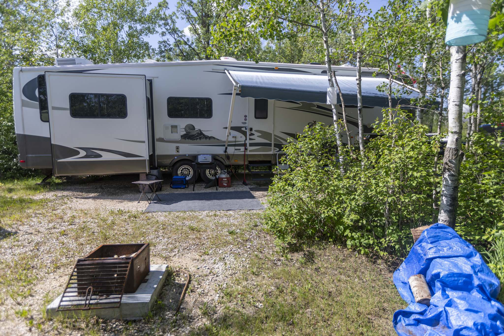 SASHA SEFTER / WINNIPEG FREE PRESS</p><p>Home sweet Fifth-Wheel home: the Matterns have plenty of space inside and an entire park for a yard.</p>
