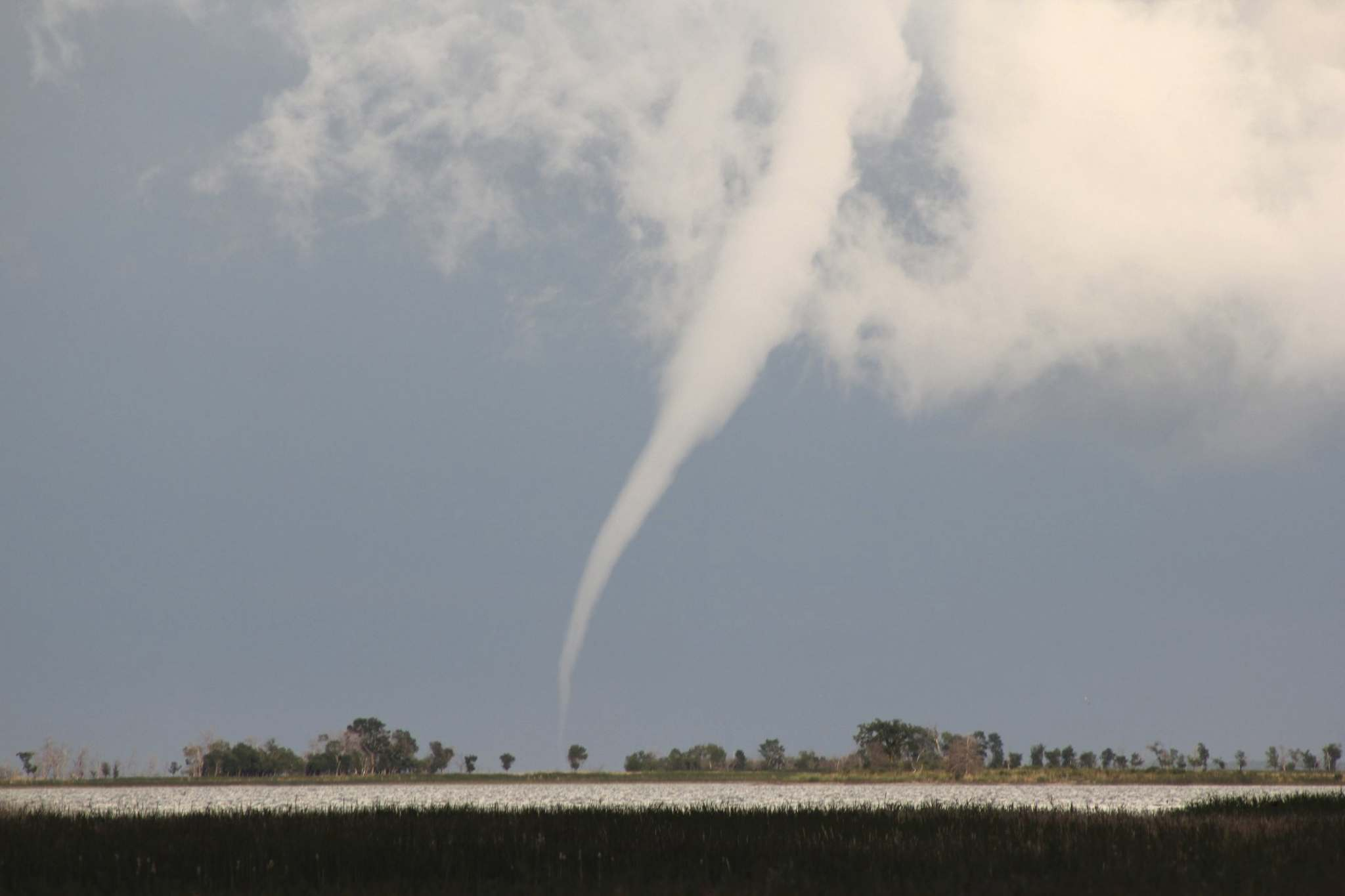 Twister touches down on Lake Manitoba