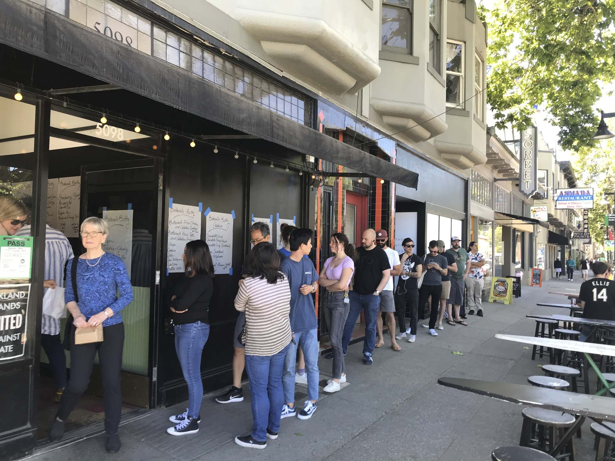 Lines outside the best Oakland restaurants, including Bakesale Betty, are common.</p></p>