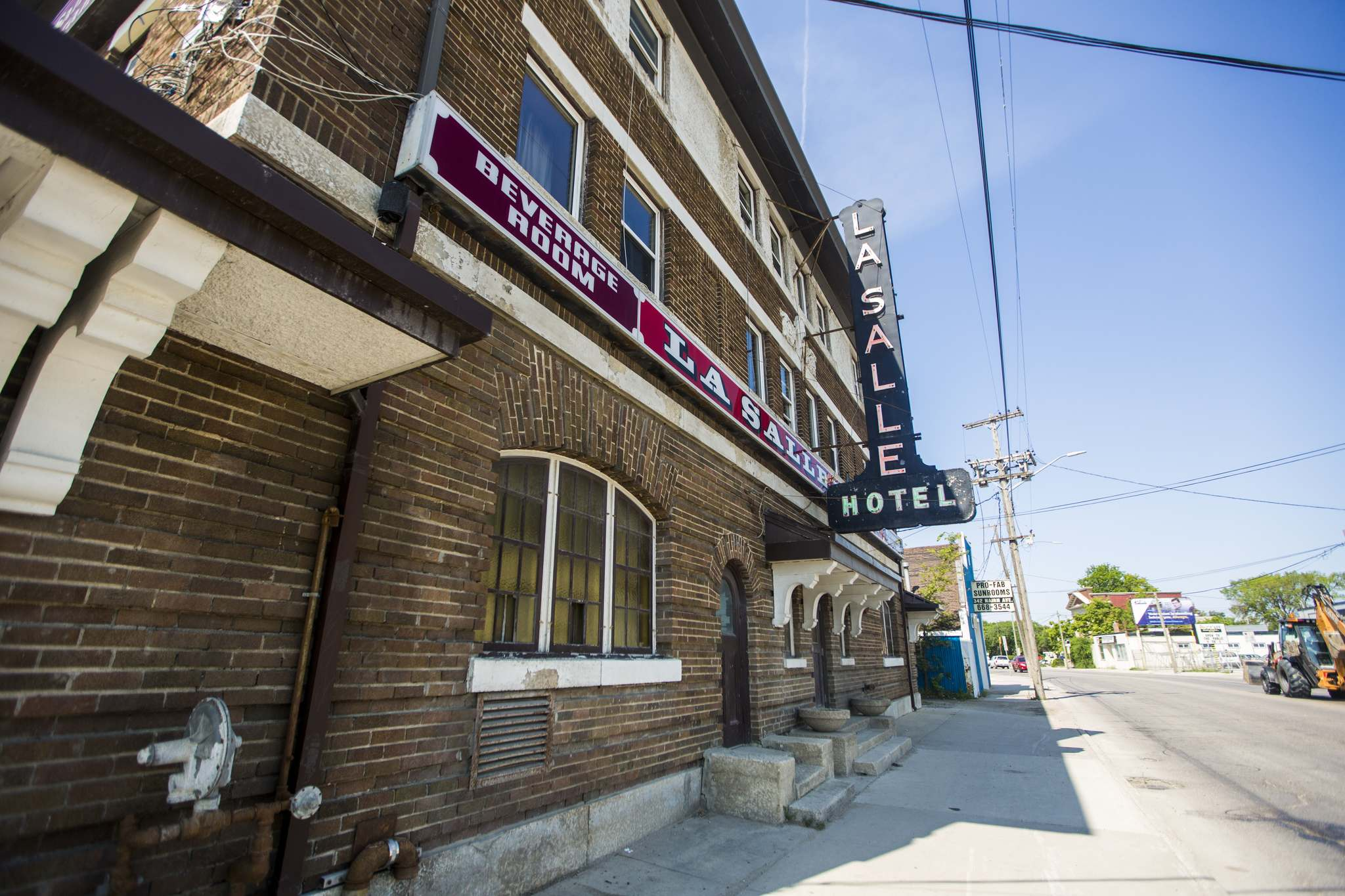 The LaSalle Hotel, at 346 Nairn Ave., is an iconic east Winnipeg establishment. (Mikaela MacKenzie / Winnipeg Free Press)