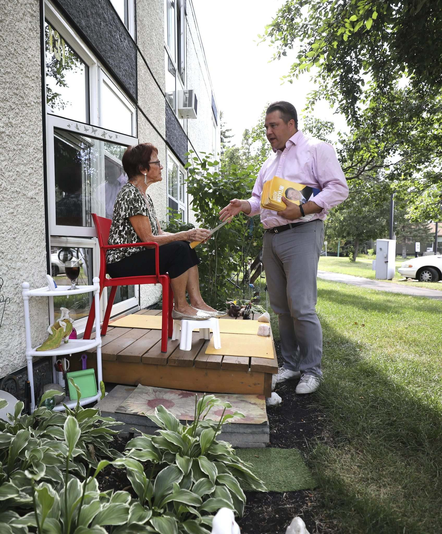 RUTH BONNEVILLE / WINNIPEG FREE PRESS</p><p> NDP candidate Mark Wasyliw campaigns on Hudson Avenue. He says health care, child care and seniors' housing are issues voters are raising with him.</p>