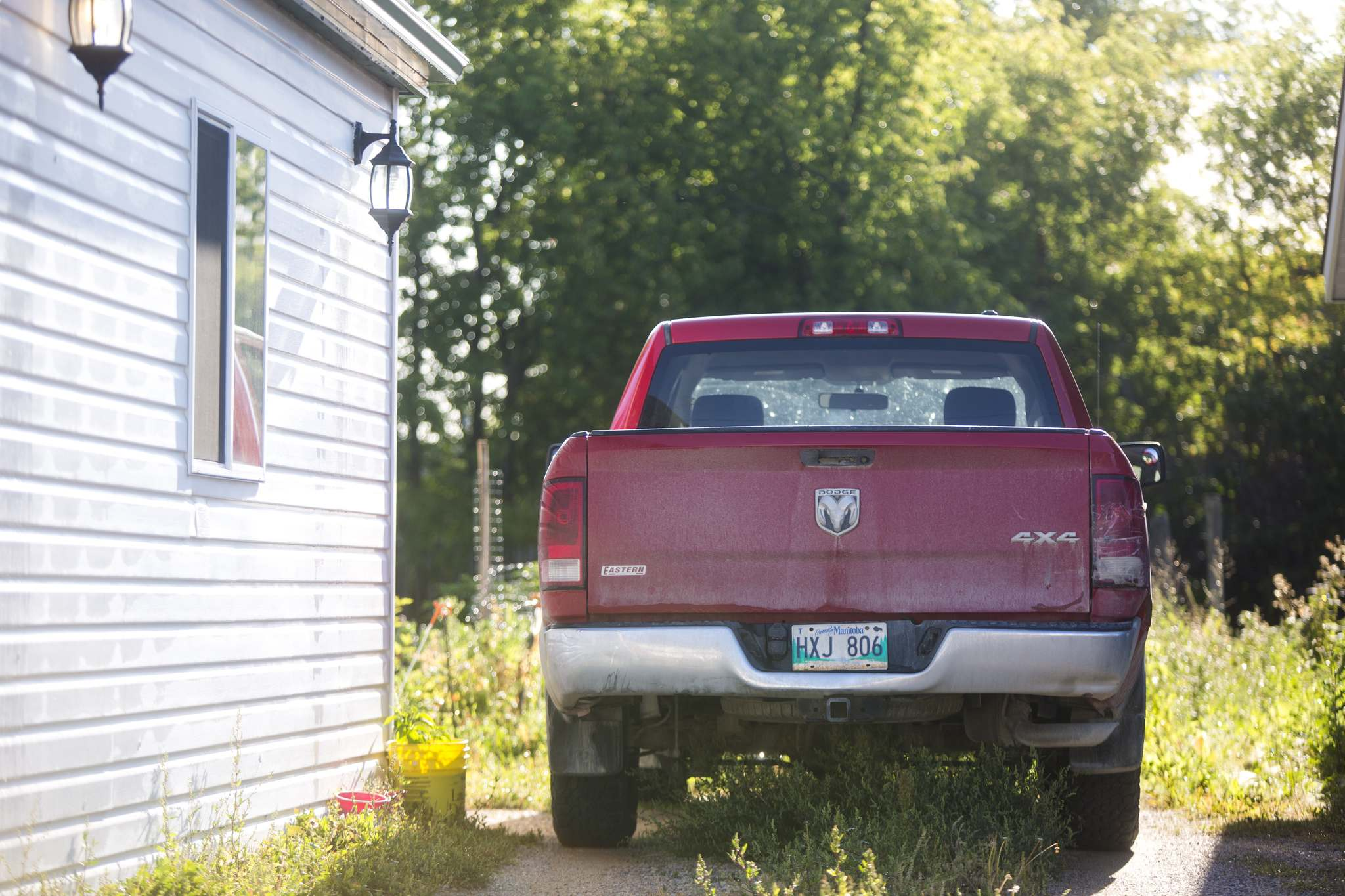 MIKAELA MACKENZIE / WINNIPEG FREE PRESS FILES</p><p>RCMP officers raided the Beausejour home of Patrik Mathews in August. His truck, pictured here shortly after raid, was fond abandoned near the U.S. border.</p>