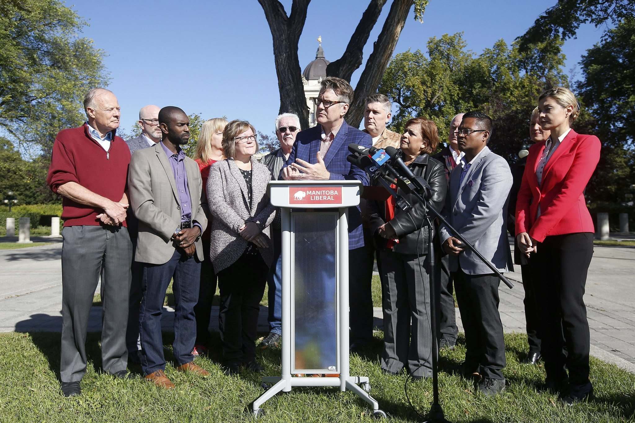 Dougald Lamont, leader of the Liberal party, speaks to reporters Sunday about his party's fully costed platform. (John Woods / Winnipeg Free Press)</p>