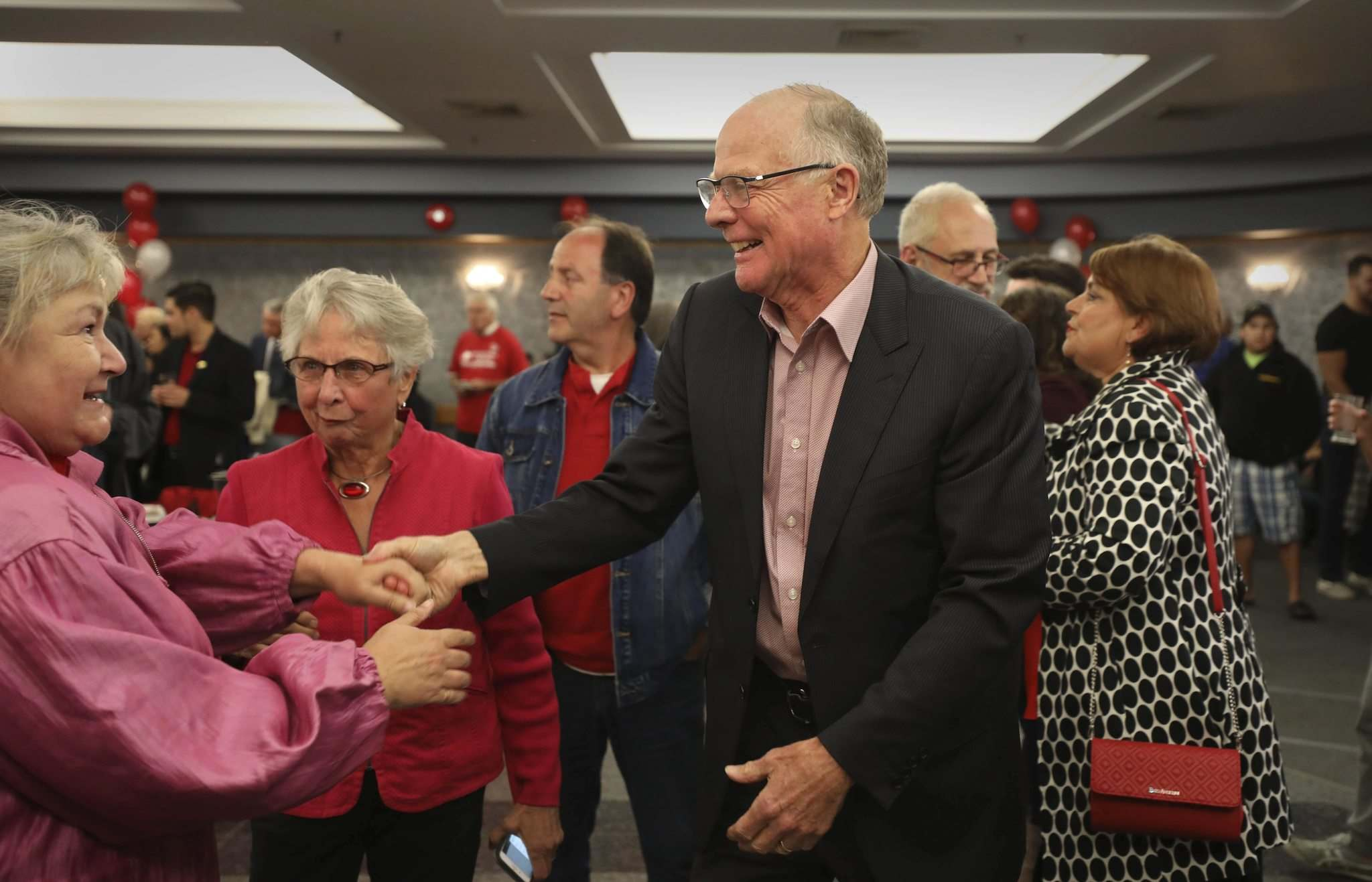 Dr. Jon Gerrard is one of three remaining Liberal MLAs. (Ruth Bonneville / Free Press files)