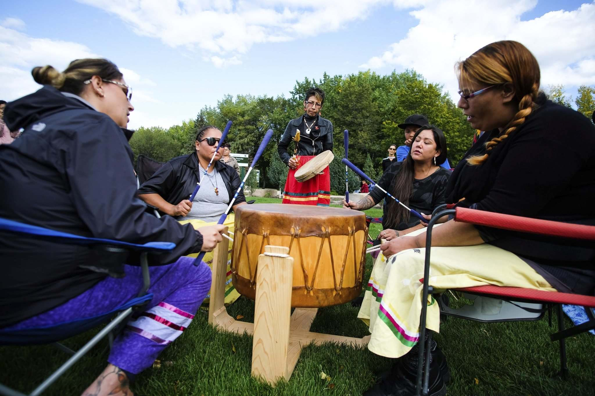 Songs and drums are played in memory of Tanya Nepinak, and all missing and murdered Indigenous women and girls. (Daniel Crump / Winnipeg Free Press)</p>