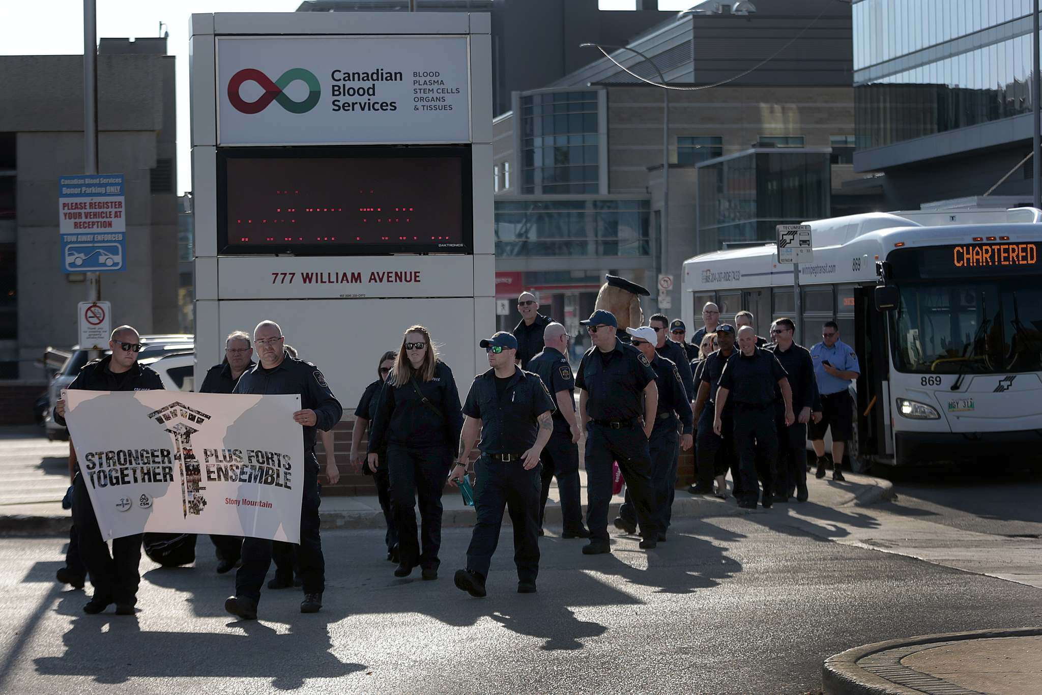 PHIL HOSSACK / WINNIPEG FREE PRESS</p><p>Dozens of Stony Mountain Institution Guards showed up Monday at Canadian Blood Services to offer a mass donation and to highlight issues affecting federal prison guards in Canada ahead of the upcoming election.</p>
