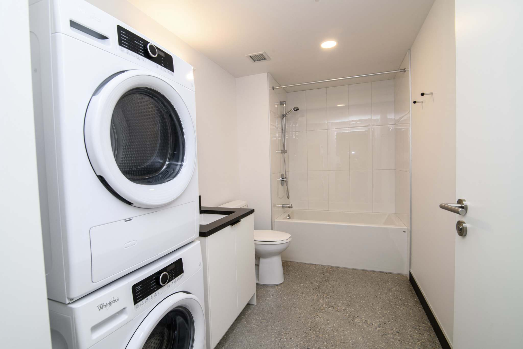 MIKE SUDOMA / WINNIPEG FREE PRESS</p><p>In-suite laundry in the bathroom of a display suite in the new Sherbrook Flats apartment building.</p>