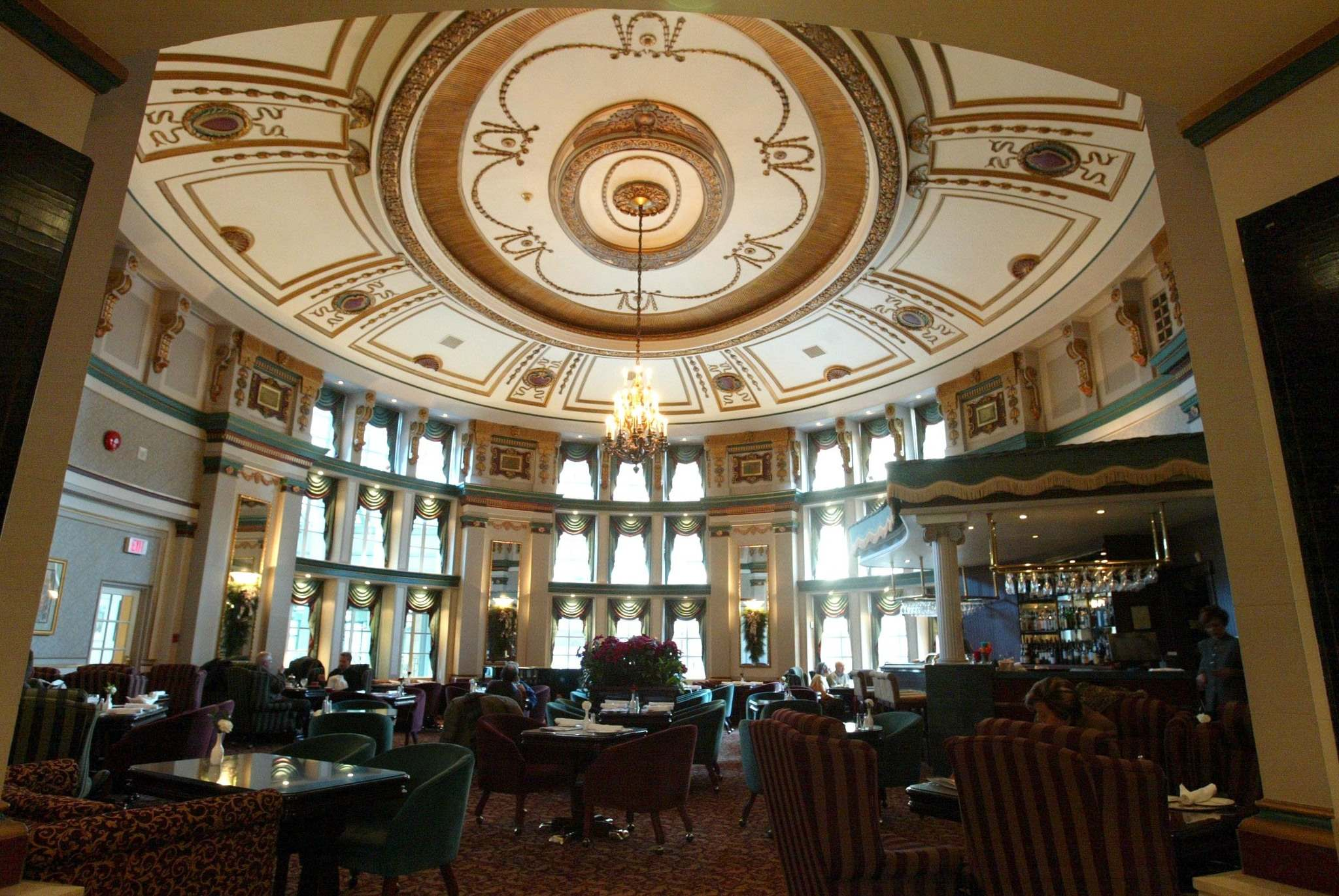 WAYNE GLOWACKI / WINNIPEG FREE PRESS FILES</p><p>The Palm Room at the Hotel Fort Garry. It was originally built by the Grand Trunk Pacific Railway.</p>