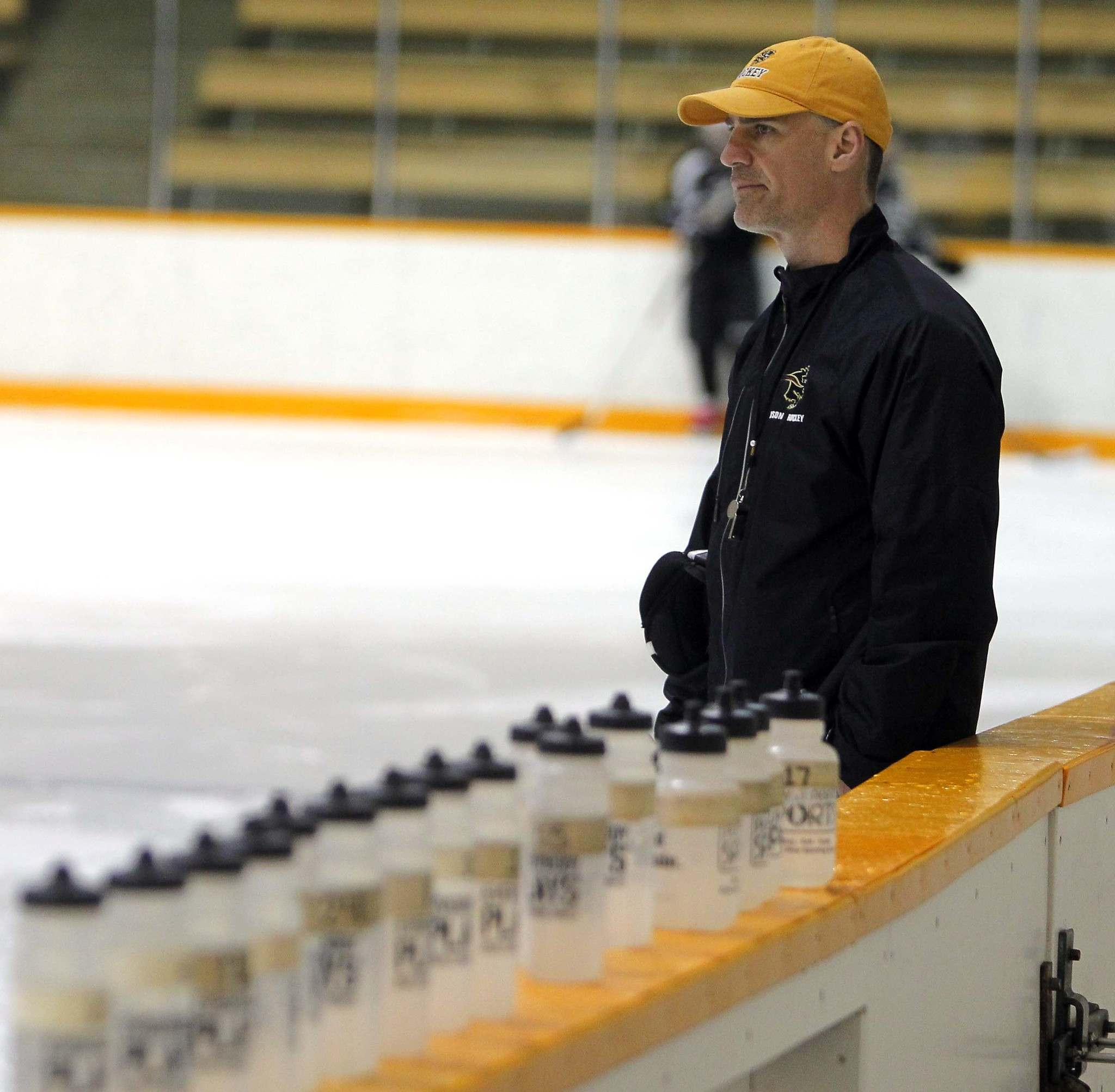 BORIS MINKEVICH / WINNIPEG FREE PRESS FILES</p><p>Jon Rempel is back behind the bench as the University of Manitoba Women's Hockey head coach after taking last year off.</p>